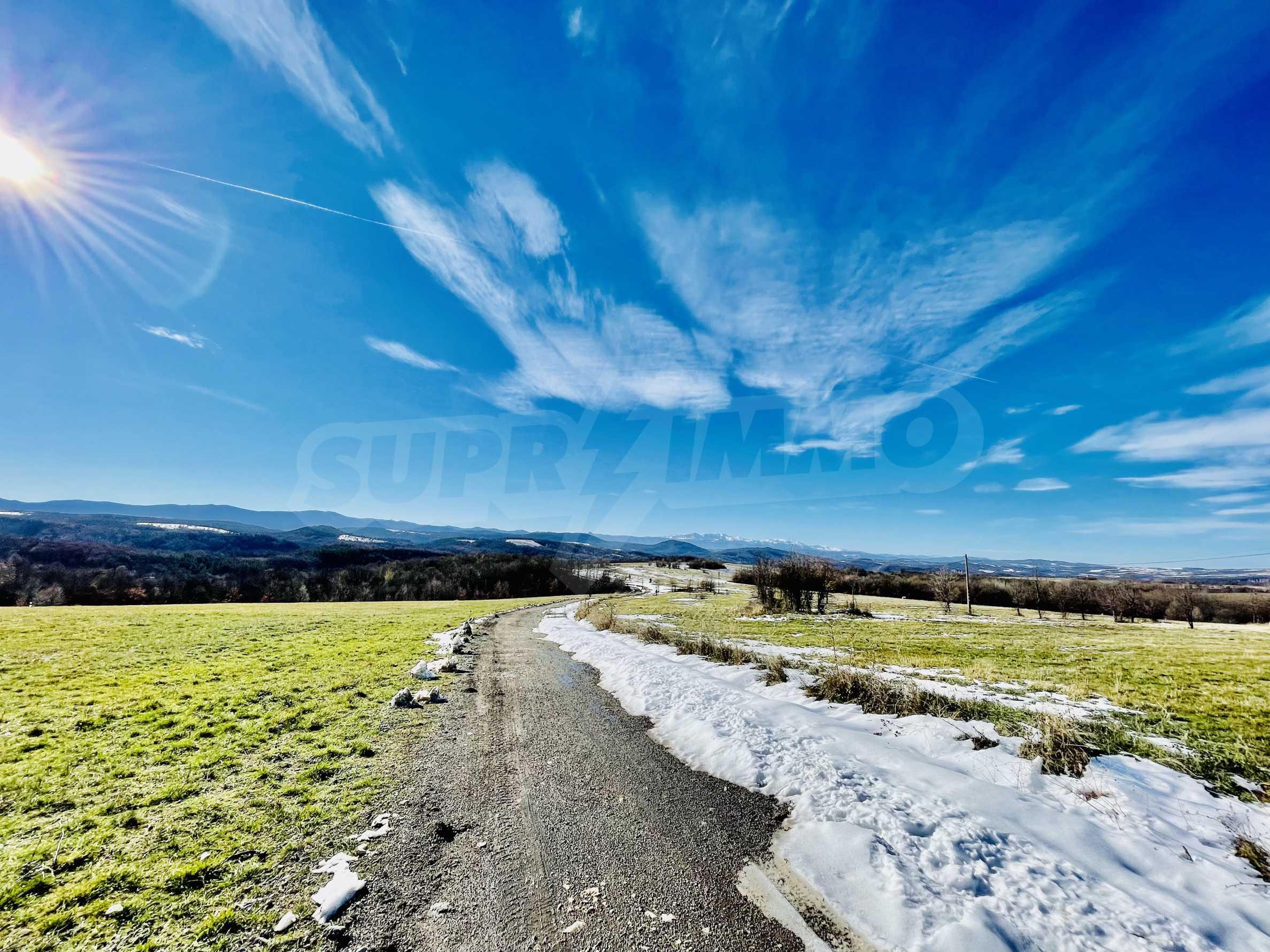Ackerland in den Bergen 29 km von Dryanovo entfernt 3