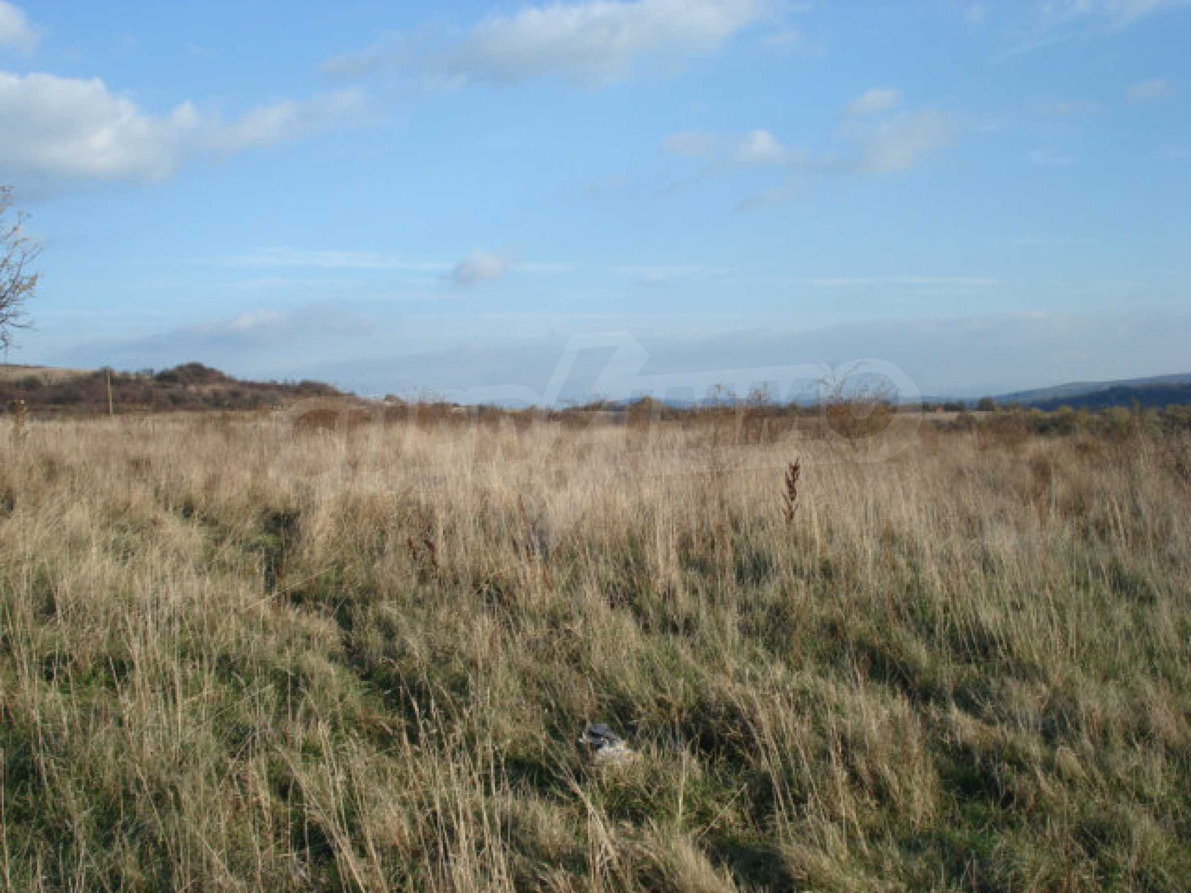 Ackerland in den Bergen 29 km von Dryanovo entfernt 5