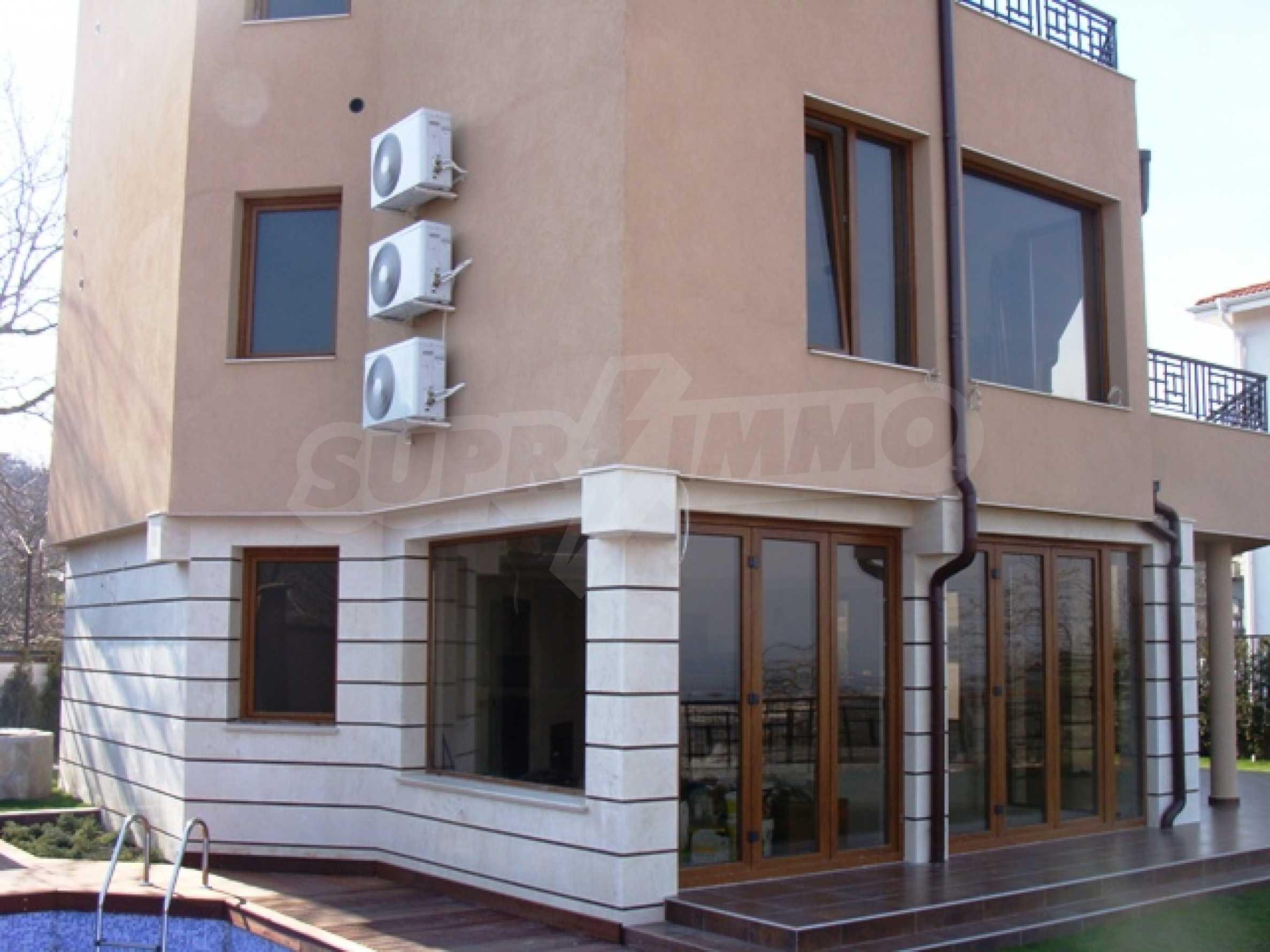 """Нова модерна 3-етажна къща в """"Зеленика""""                      4"""