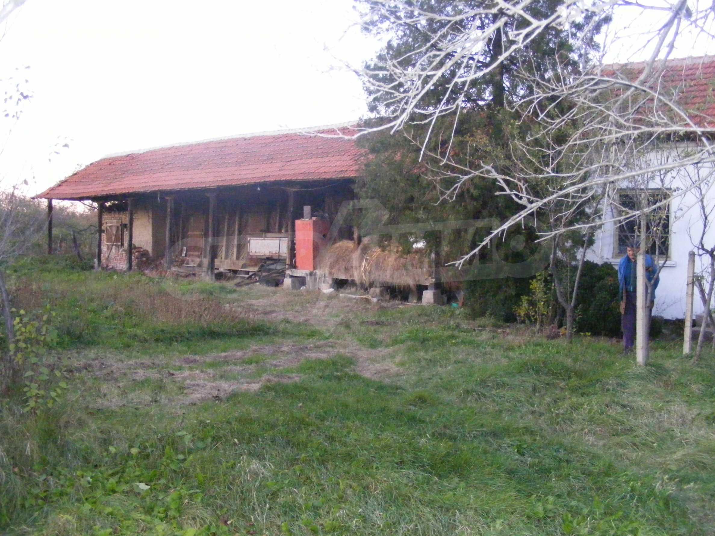Schönes Einfamilienhaus mit einem Garten 30 km von Montana entfernt 22