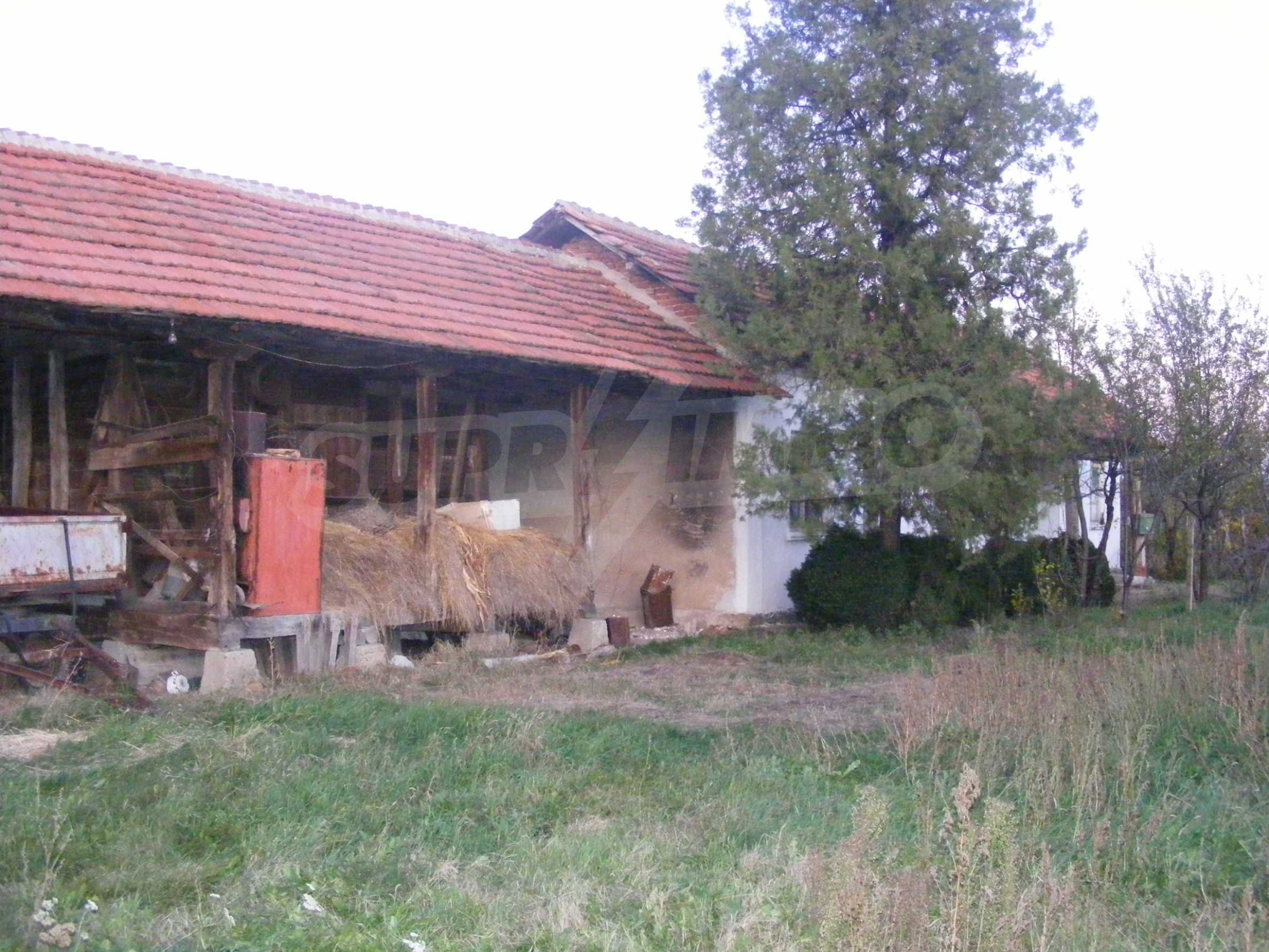 Nice detached house with garden 30 km from Montana and Lom 28