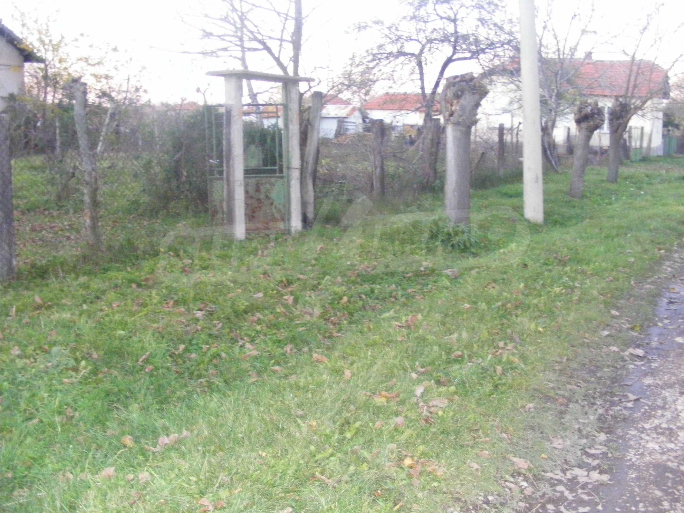 Nice detached house with garden 30 km from Montana and Lom 38