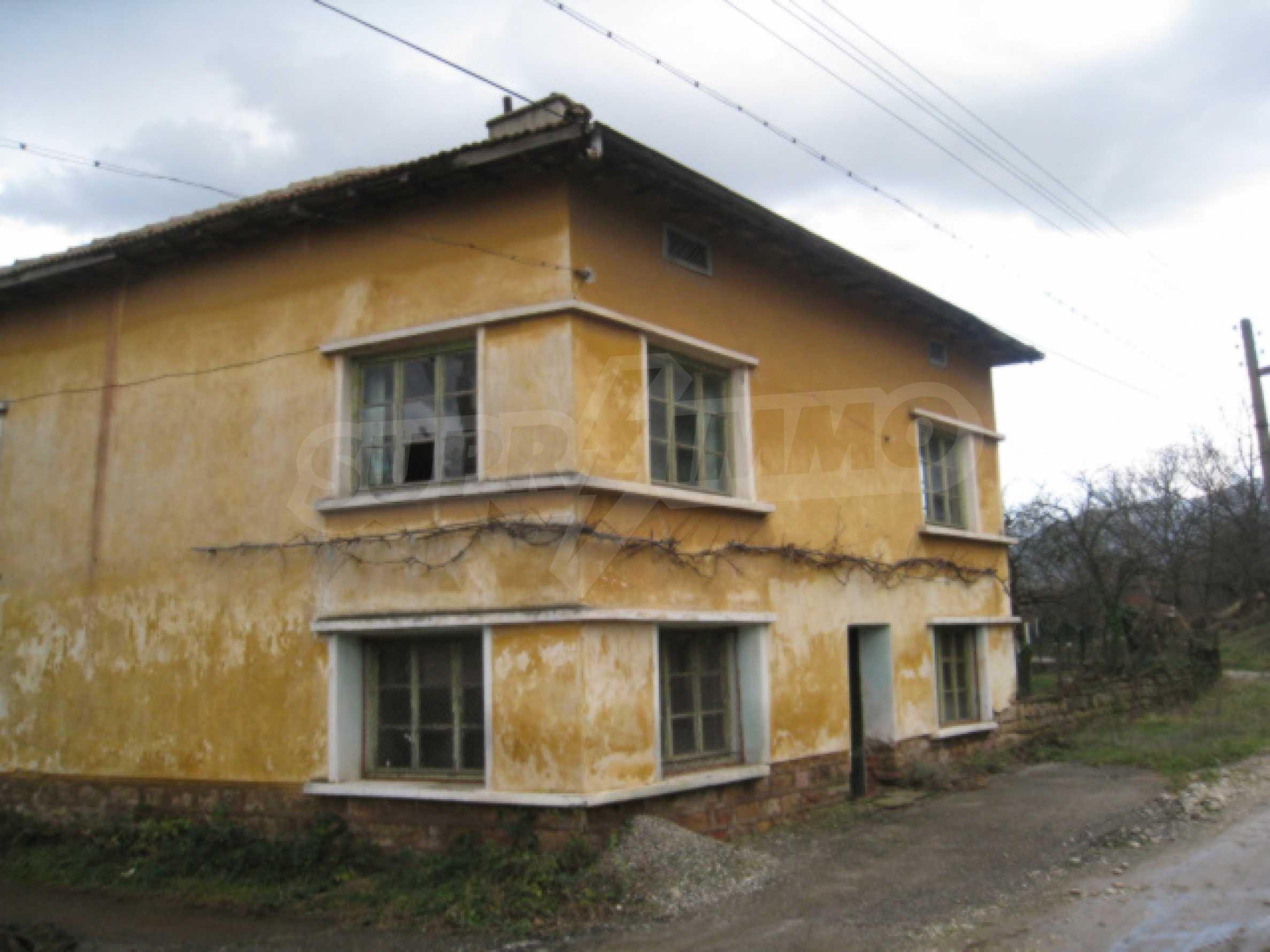 Дом возле Выршец 1
