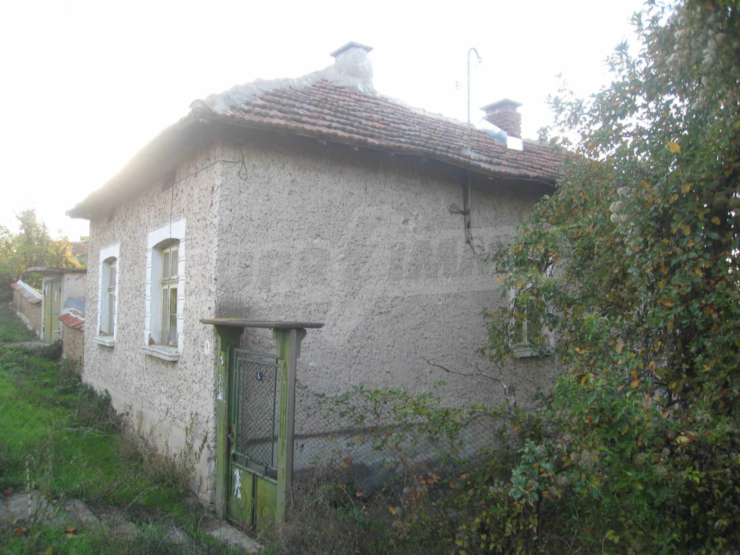 One-storey house with big yard near Montana 2