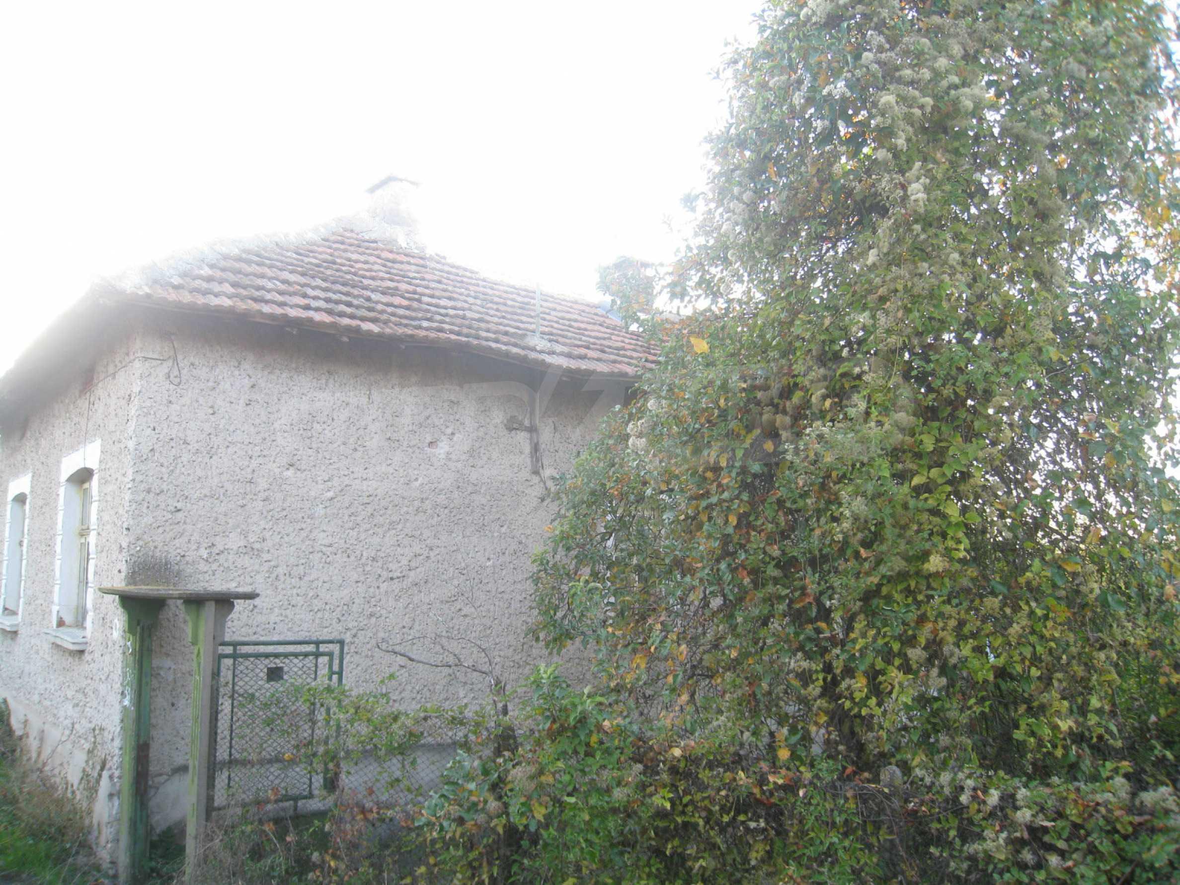 One-storey house with big yard near Montana 44