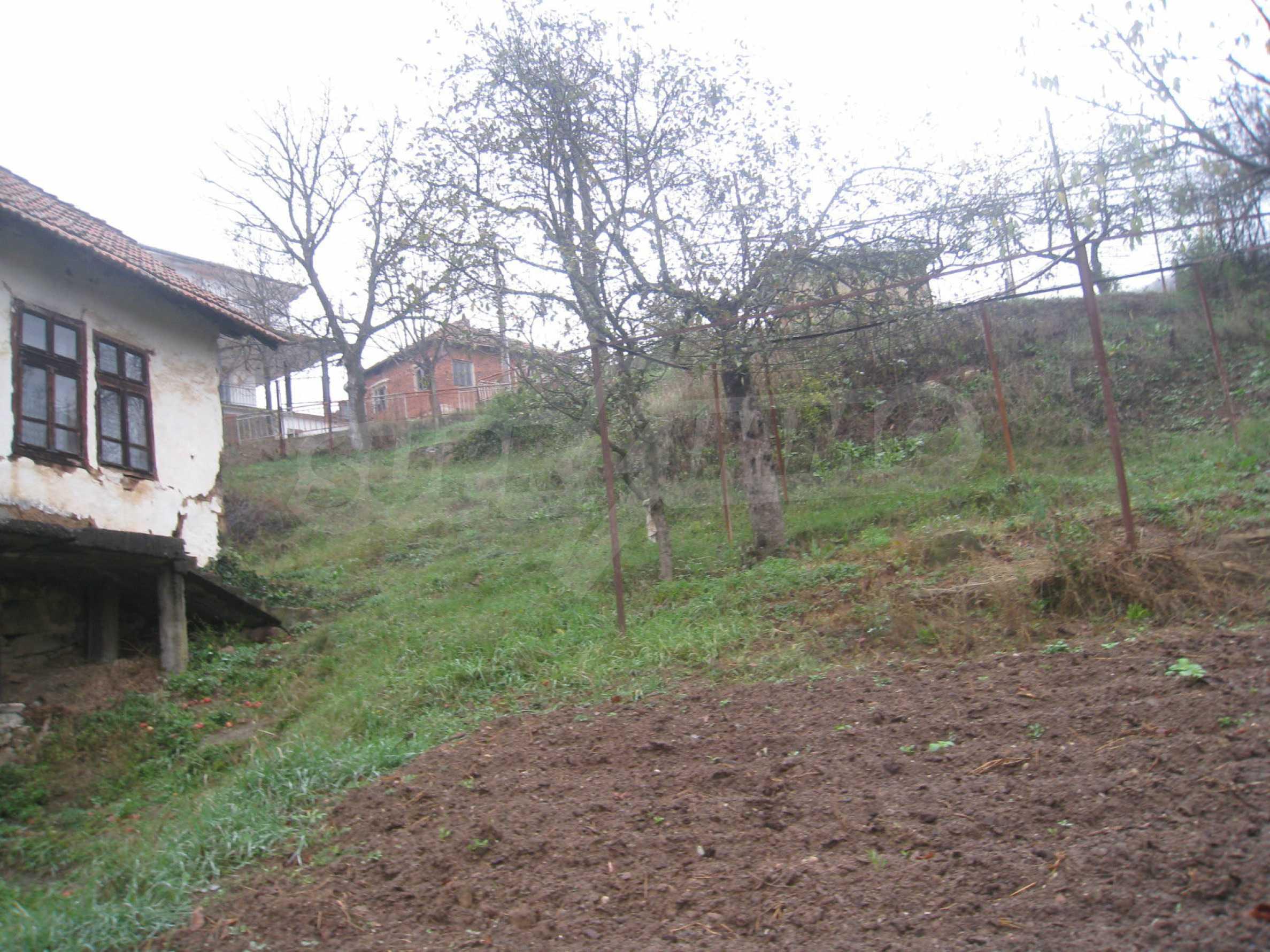 Haus mit Garten, Sommerküche und Nebengebäuden in der Nähe von Montana 47