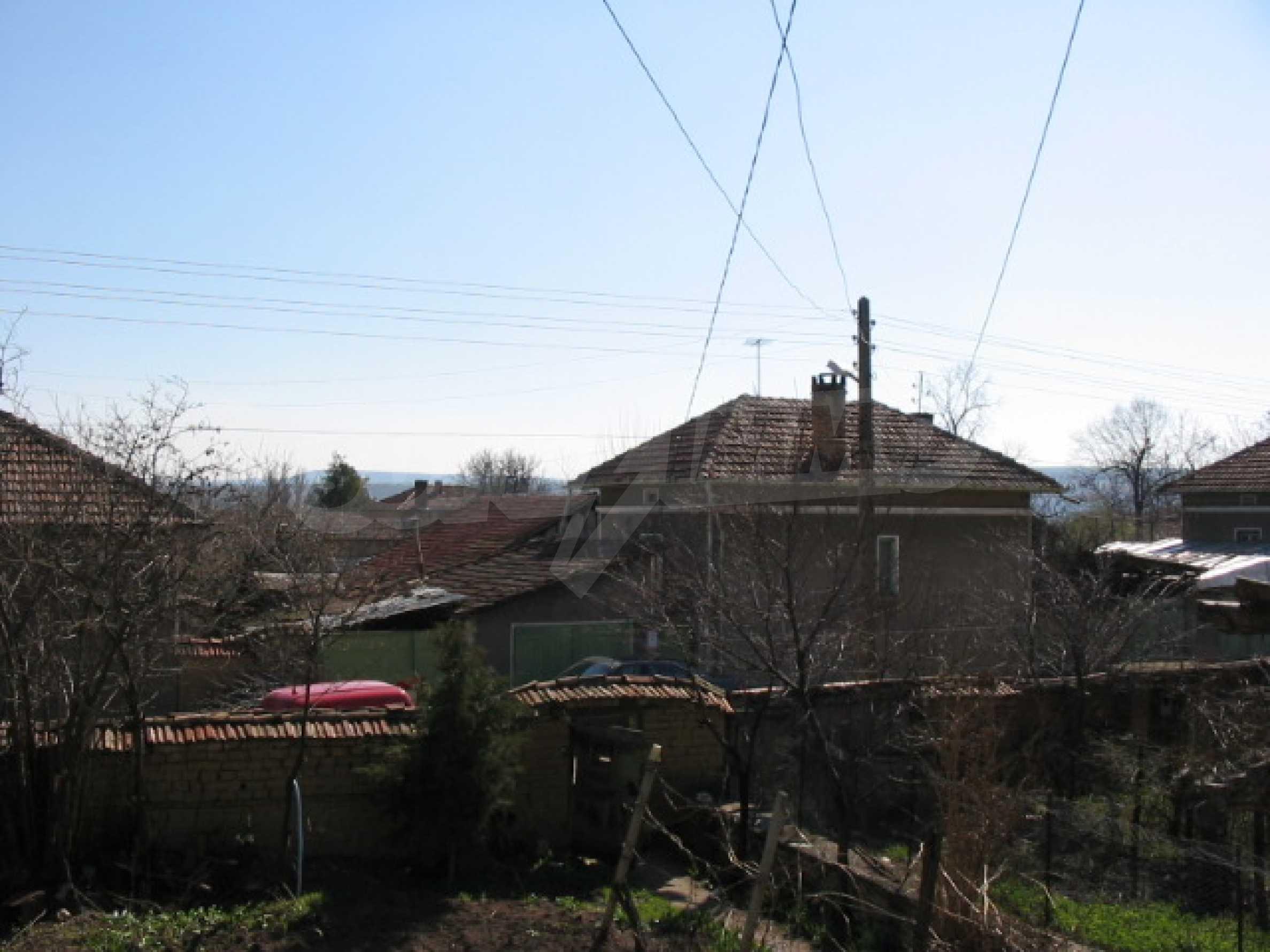 Селски имот на 30 км от Велико Търново 12
