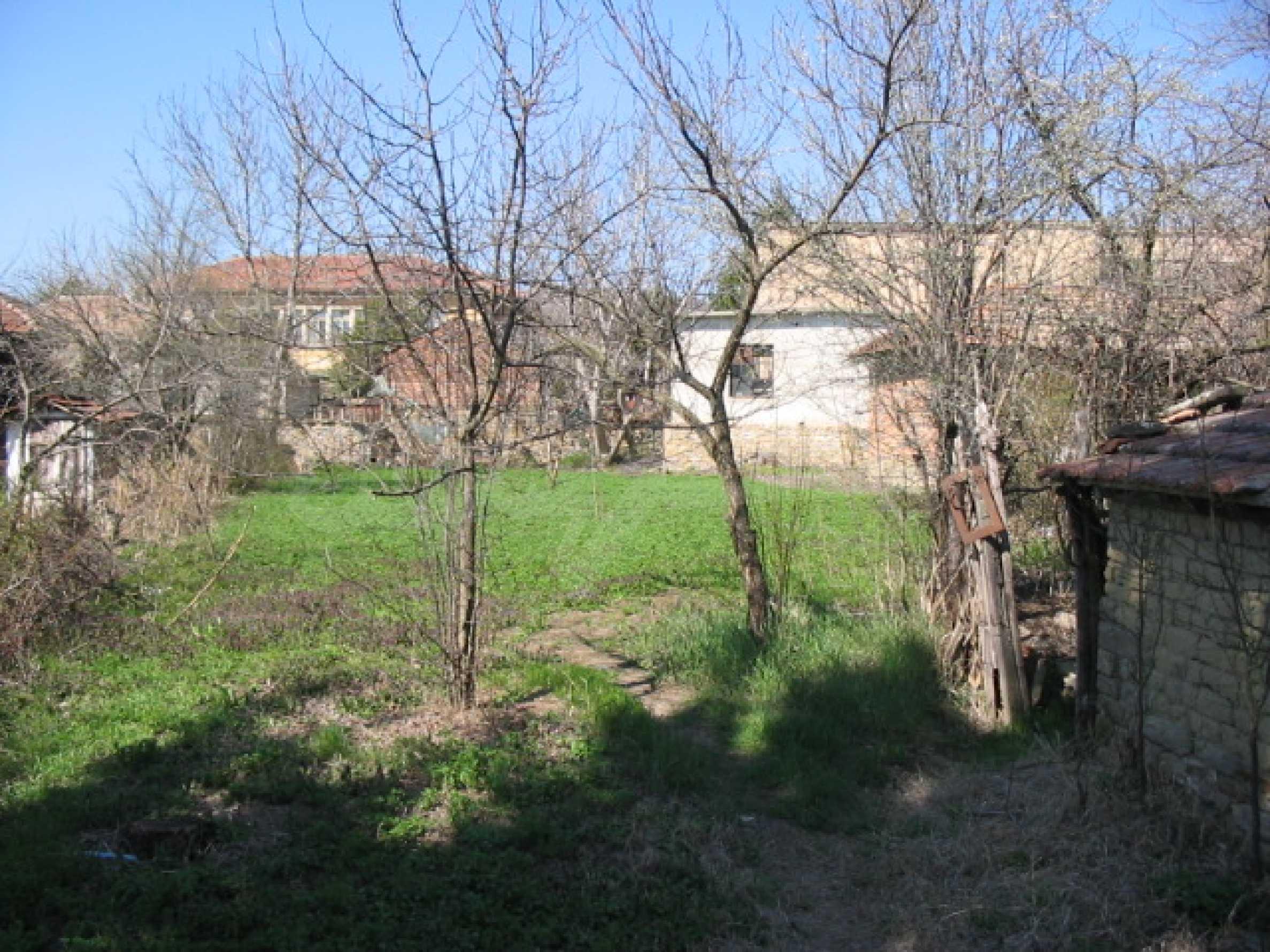 Селски имот на 30 км от Велико Търново 13