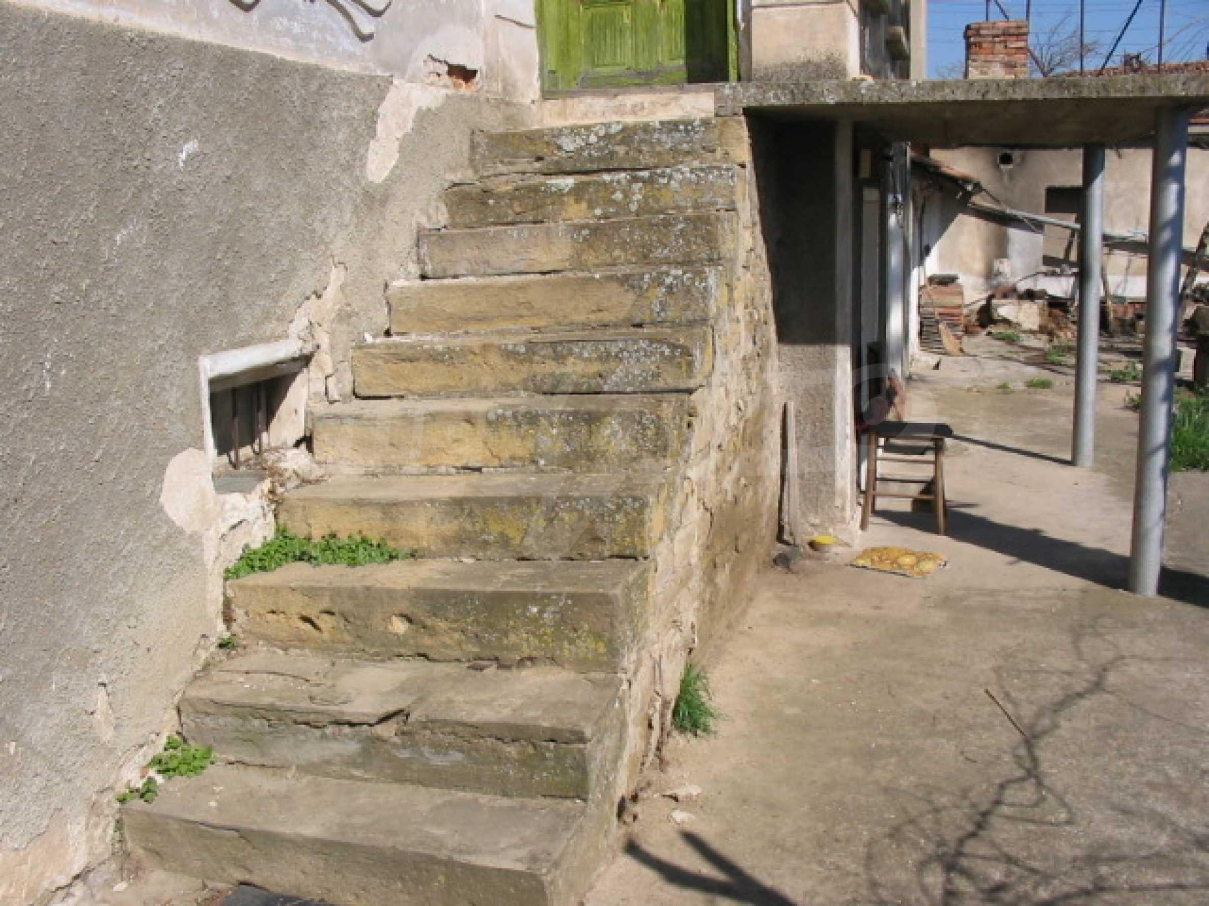 Селски имот на 30 км от Велико Търново 2