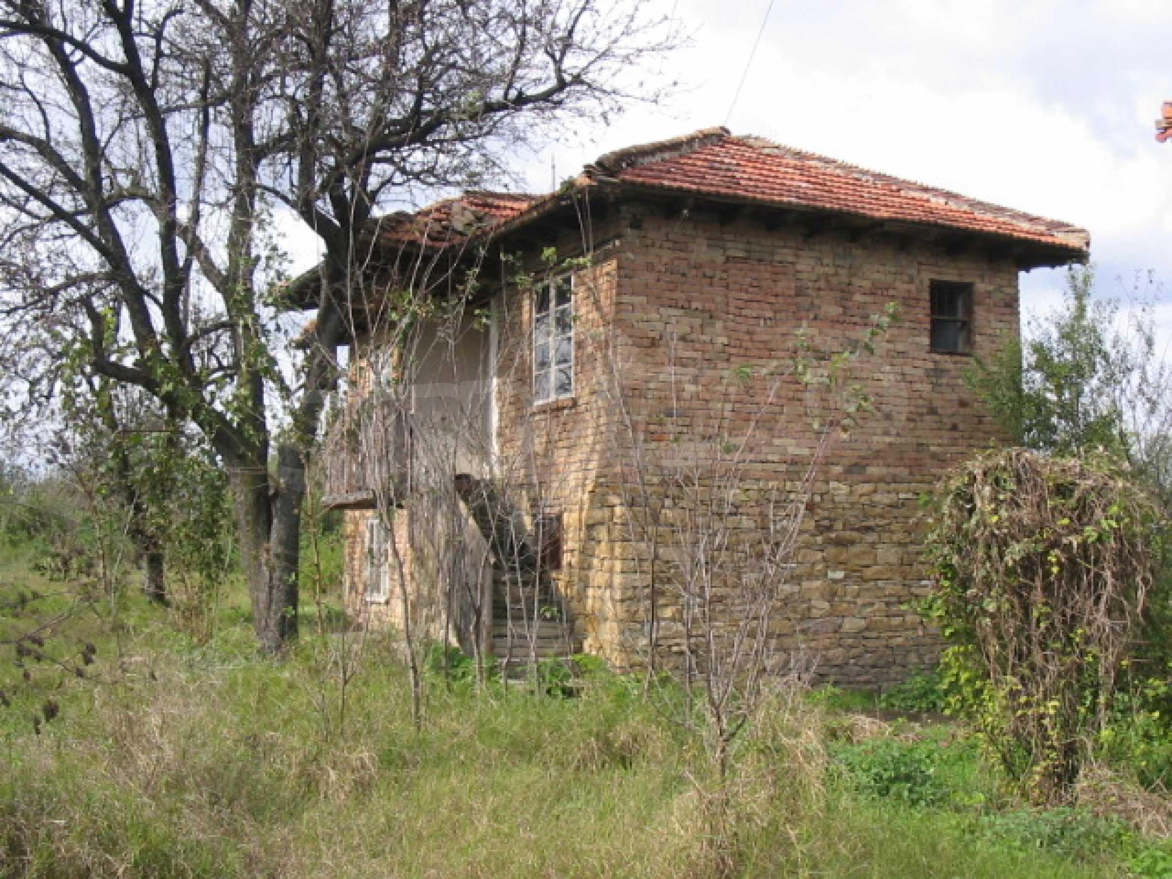 Къща на два етажа на страхотна цена 2