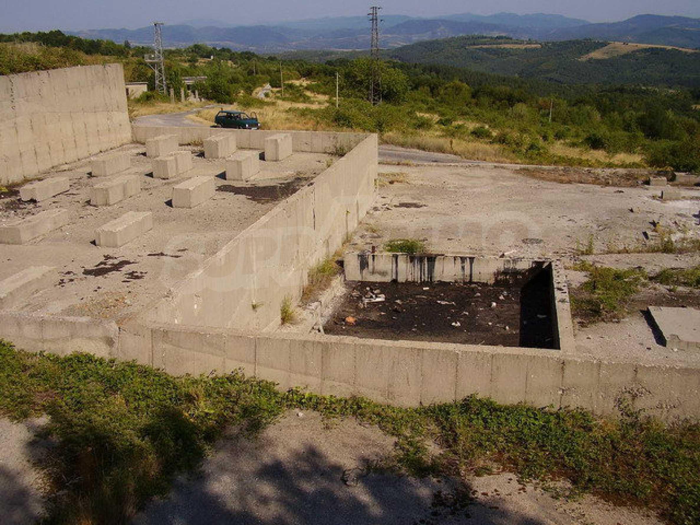 Земельный участок с прекрасным видом, пригодный для дачного поселка, вблизи города Трявна 1