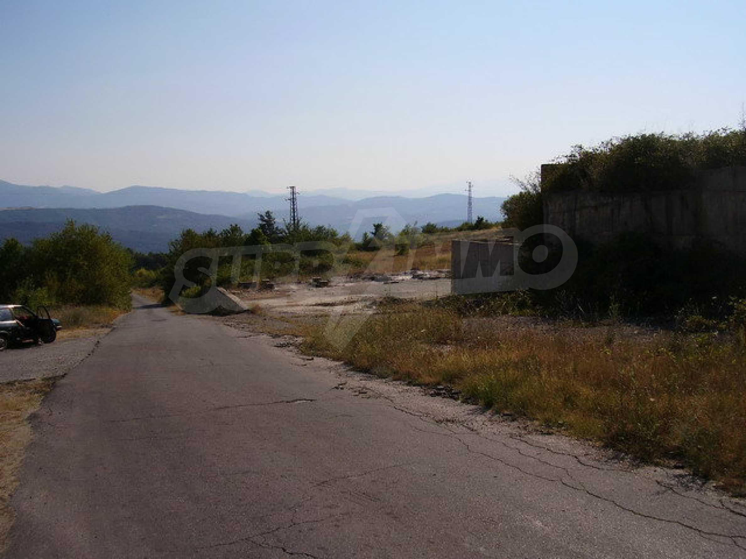 Земельный участок с прекрасным видом, пригодный для дачного поселка, вблизи города Трявна 3