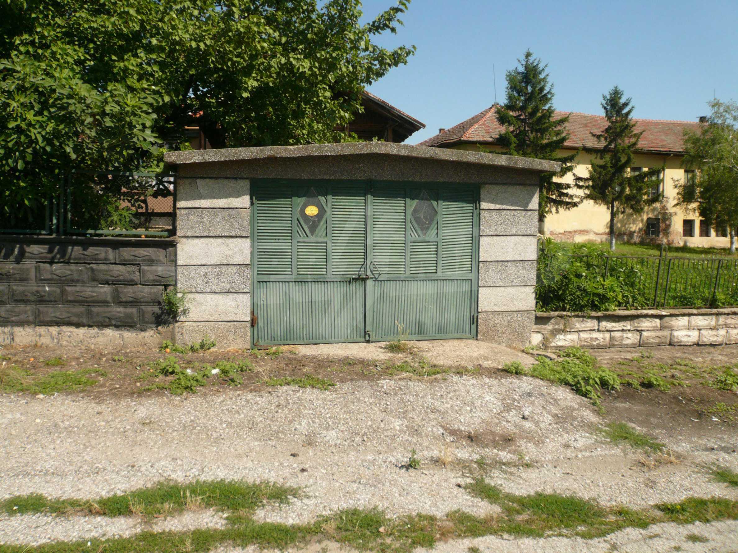 Ländliche Häuser mit einem Garten 12 km von Vidin entfernt 24