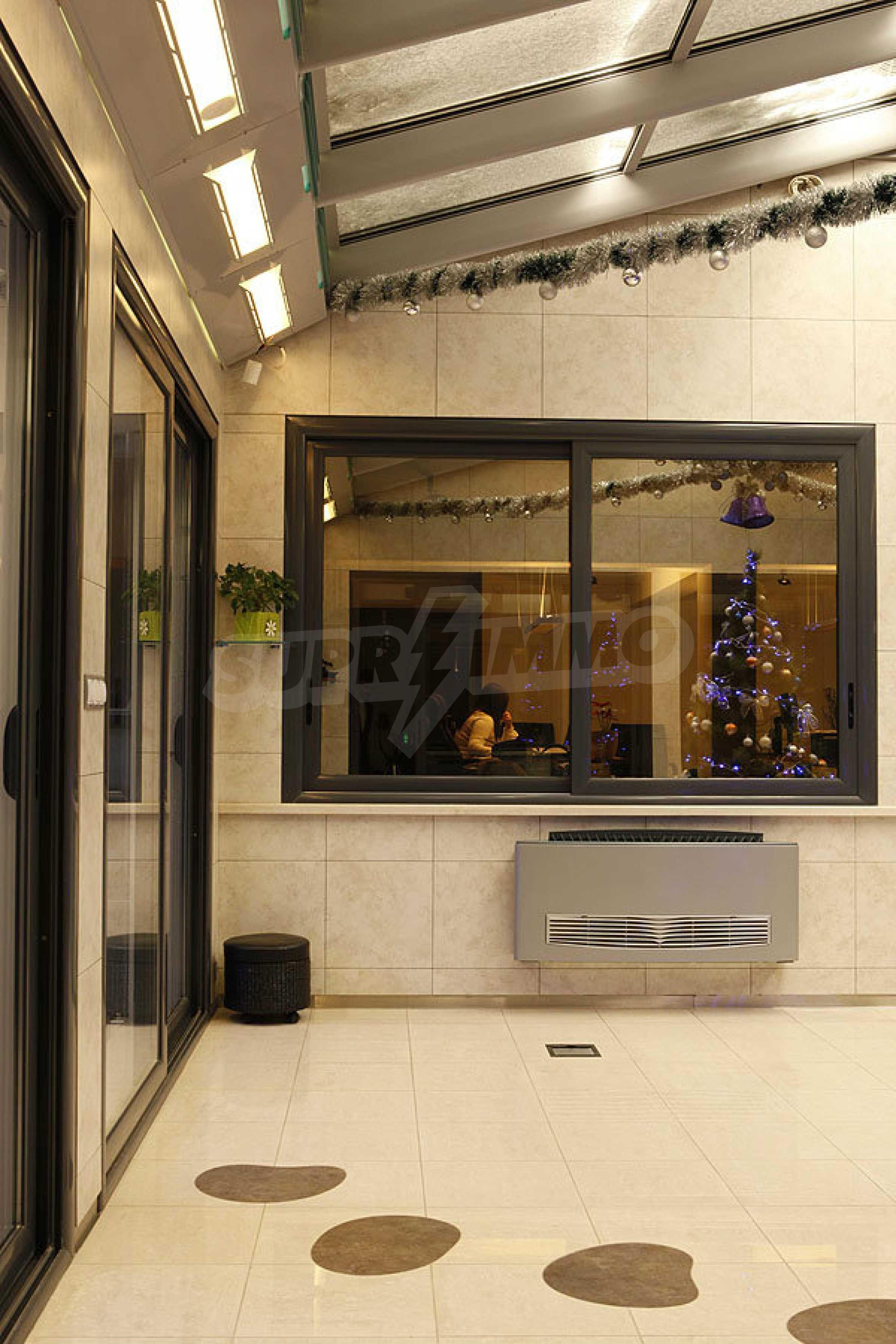 Unique office near the Mall Serdica 29