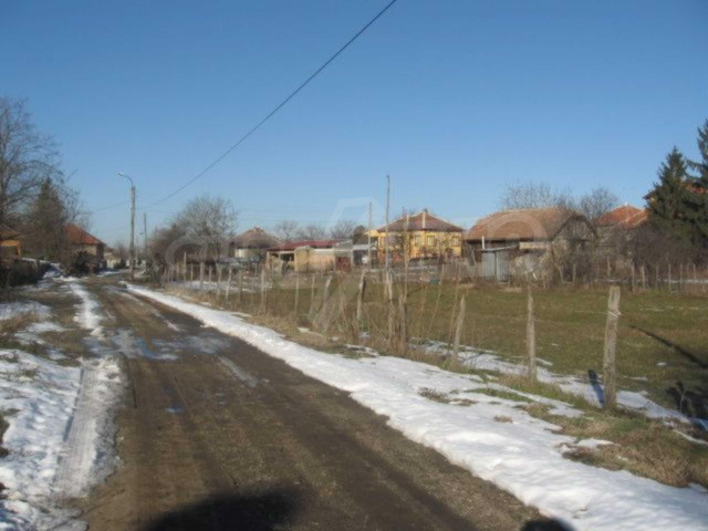 Регулиран парцел до Дунав Мост 2 2
