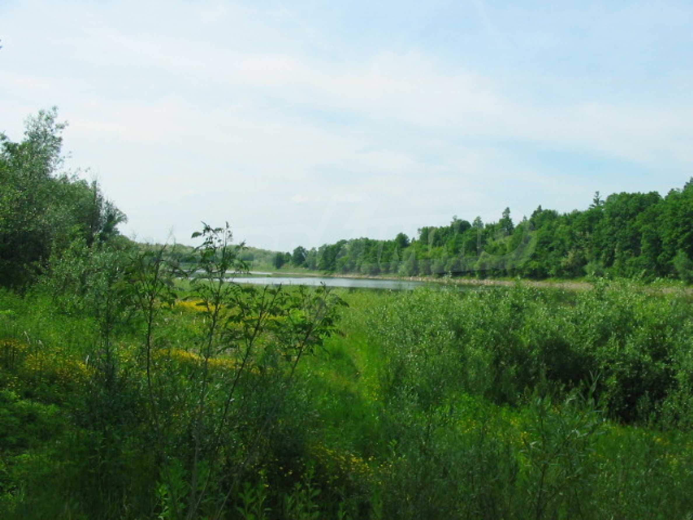Damm mit angrenzendem Land 7 km von Veliko Tarnovo entfernt 3
