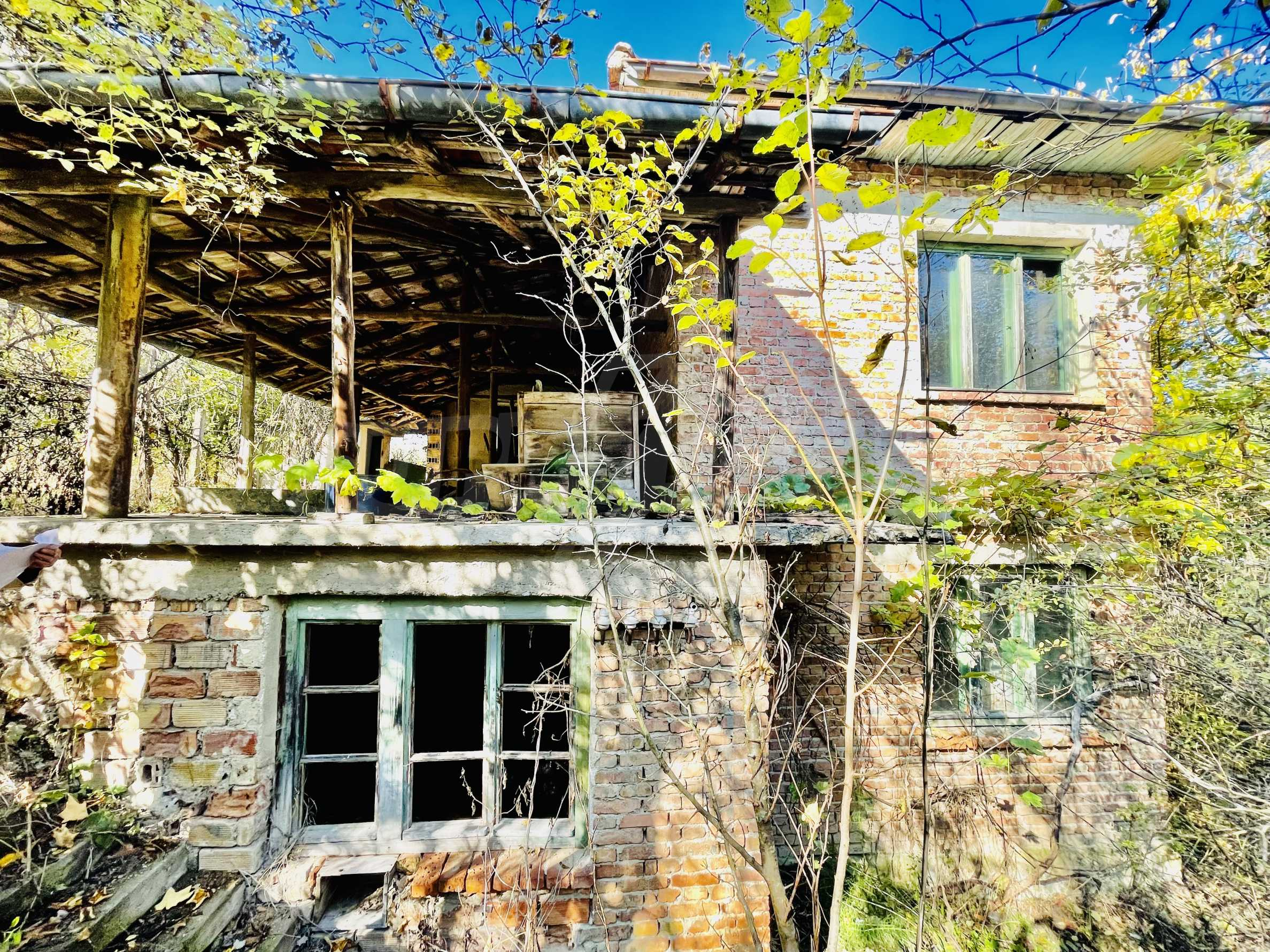 A house in a village with mineral springs and river 4