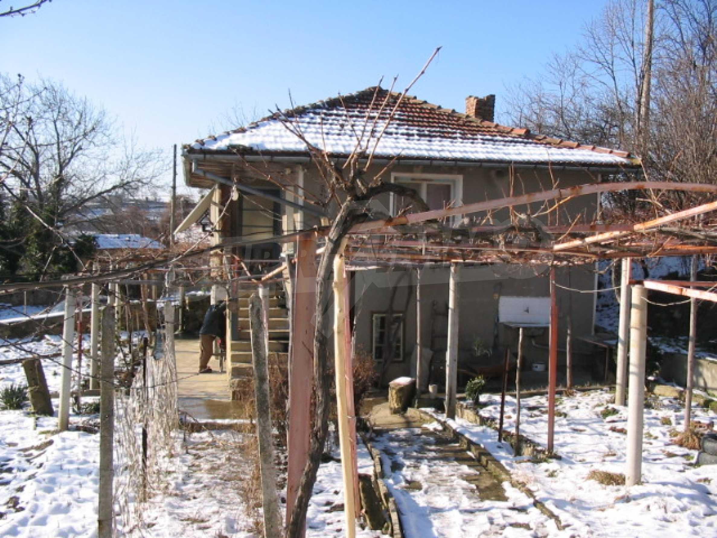 Продажа дома вблизи г. Севлиево 12