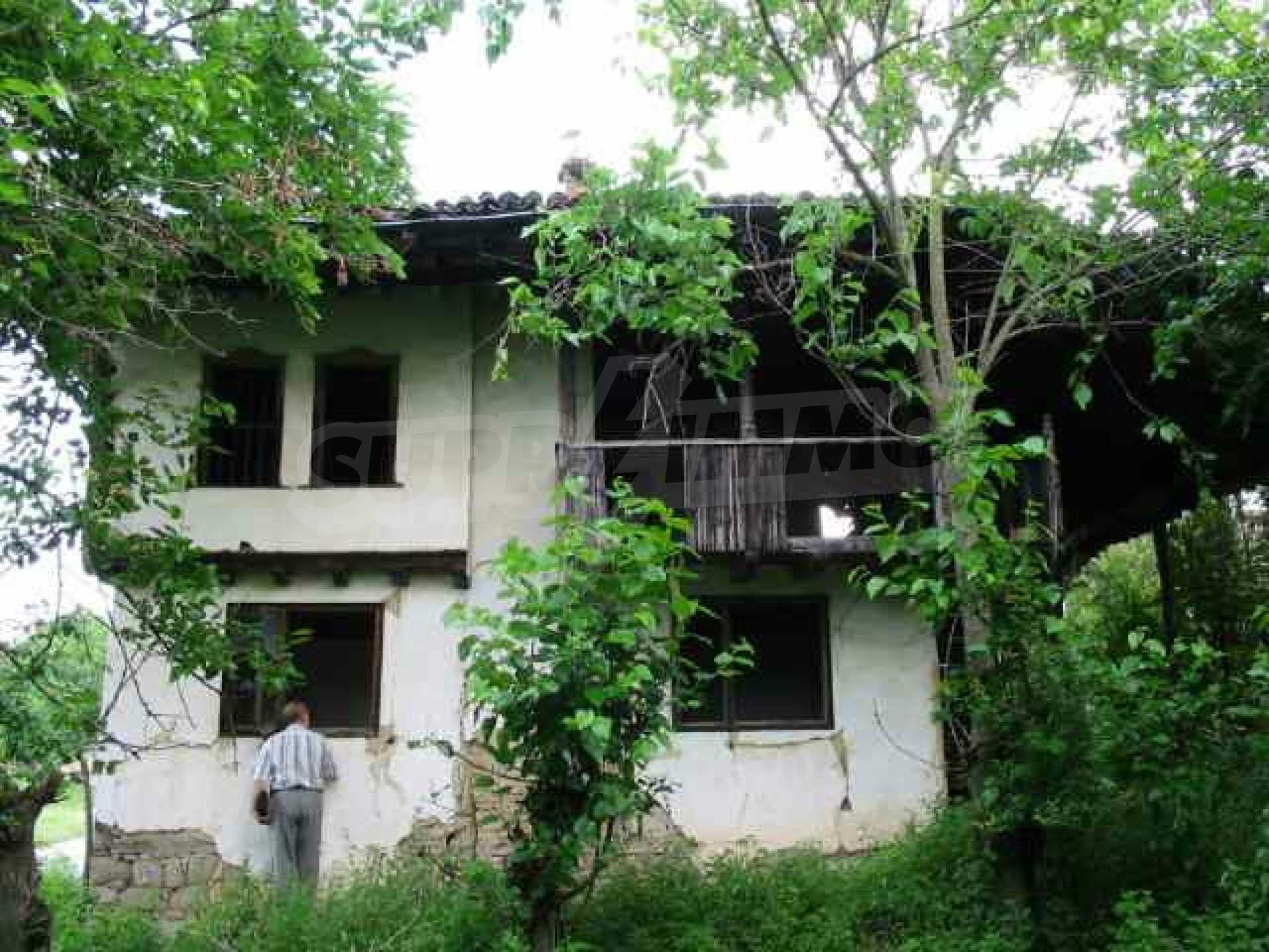 Zweistöckiges traditionelles Haus für größere Renovierungsarbeiten im Dorf Mindya 14