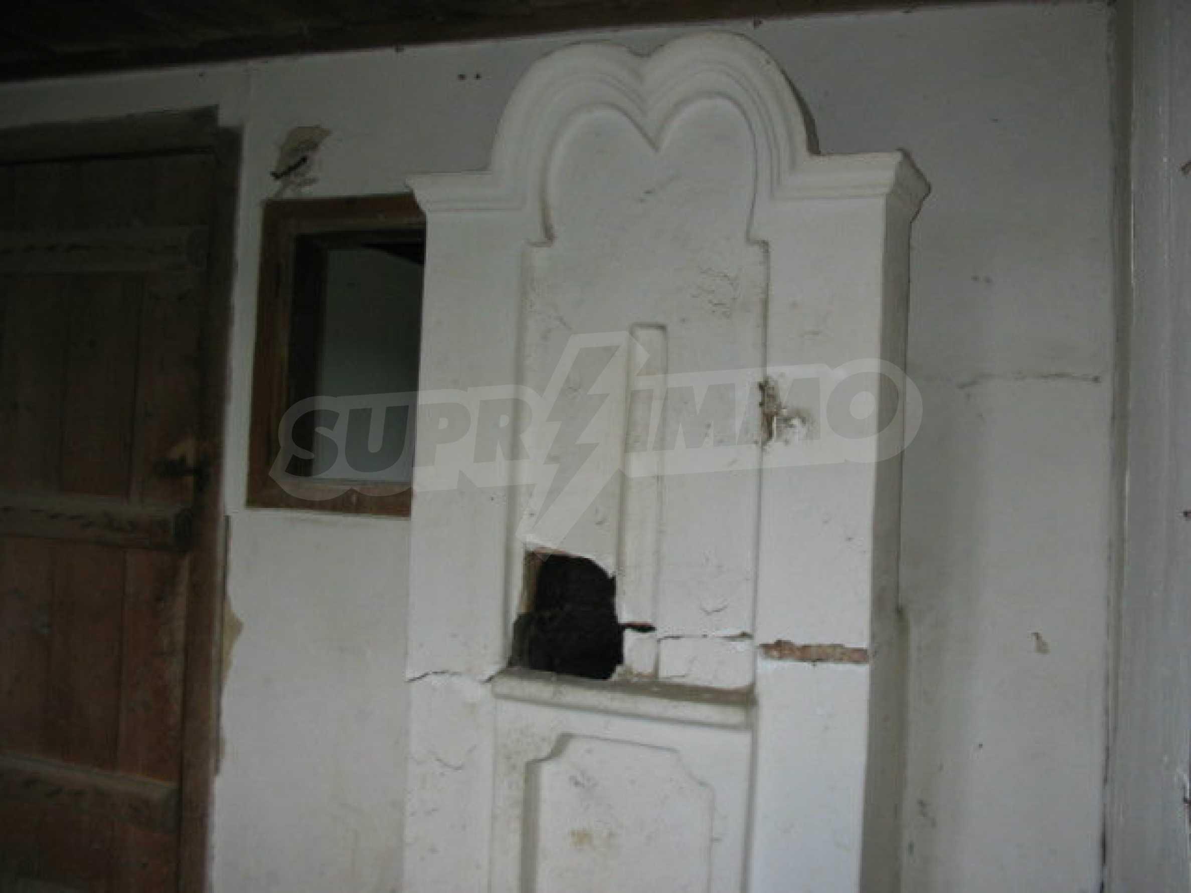 Zweistöckiges traditionelles Haus für größere Renovierungsarbeiten im Dorf Mindya 15