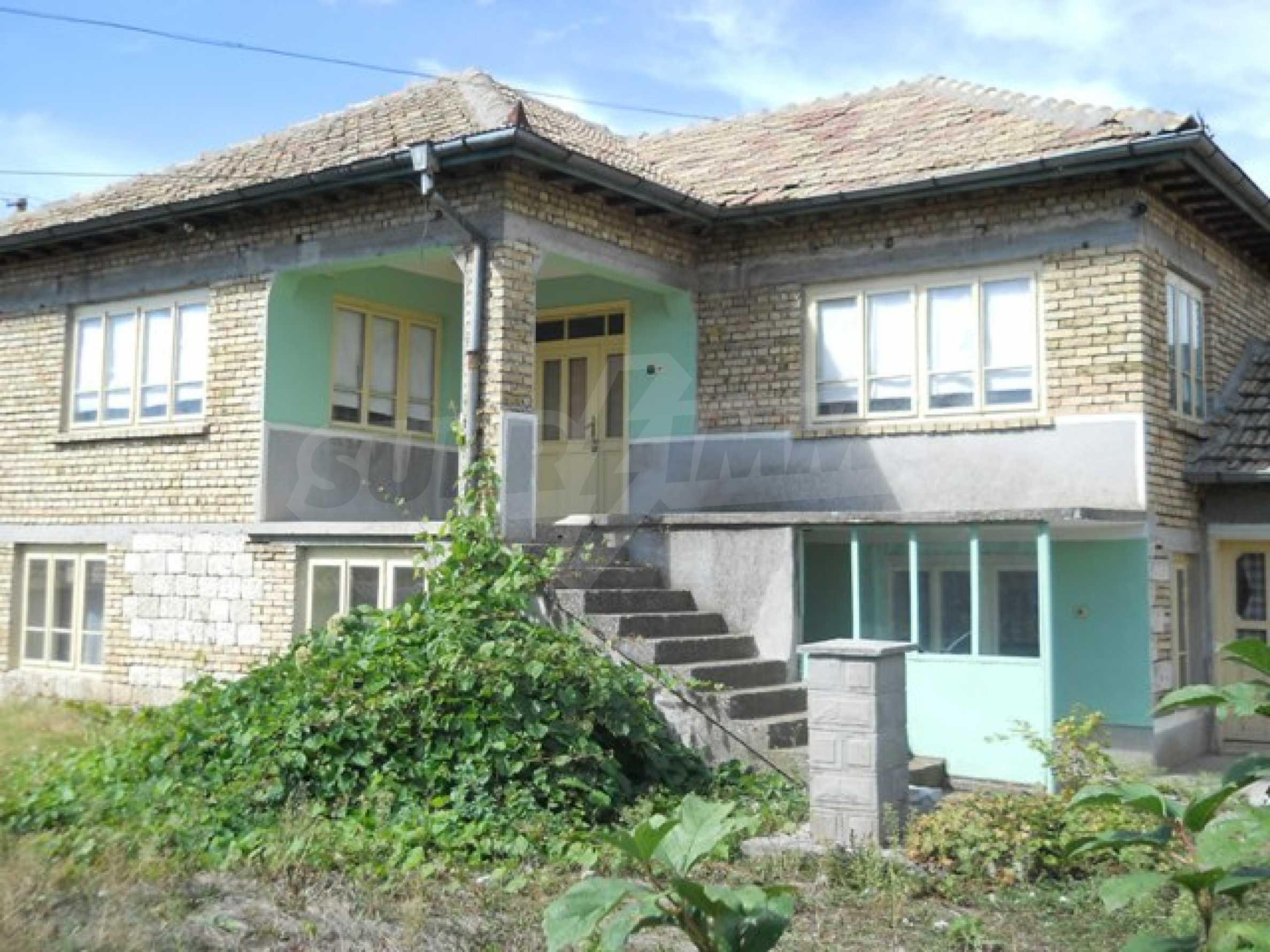 Къща продава близо до Варна