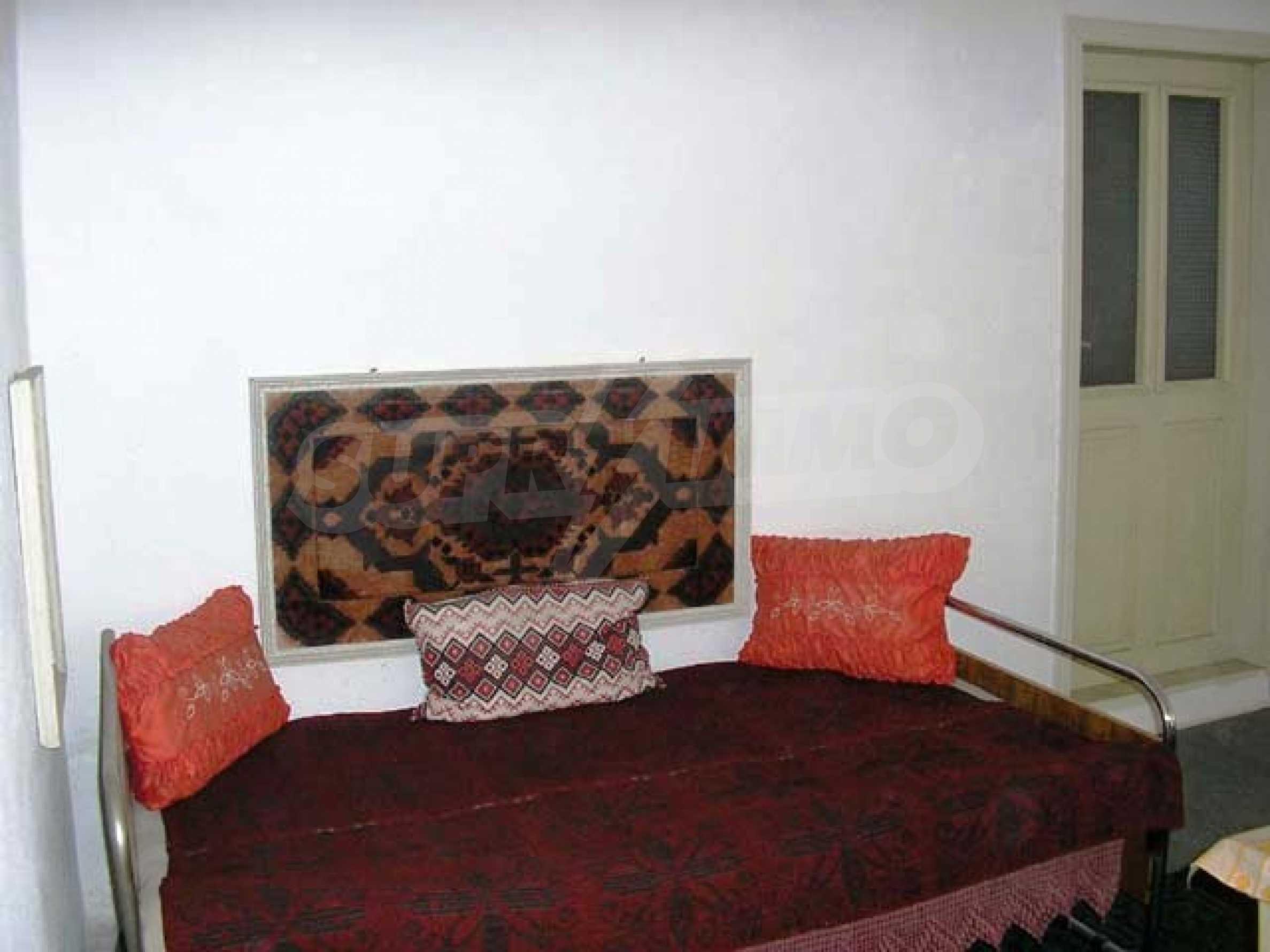 Къща продава близо до Варна 12
