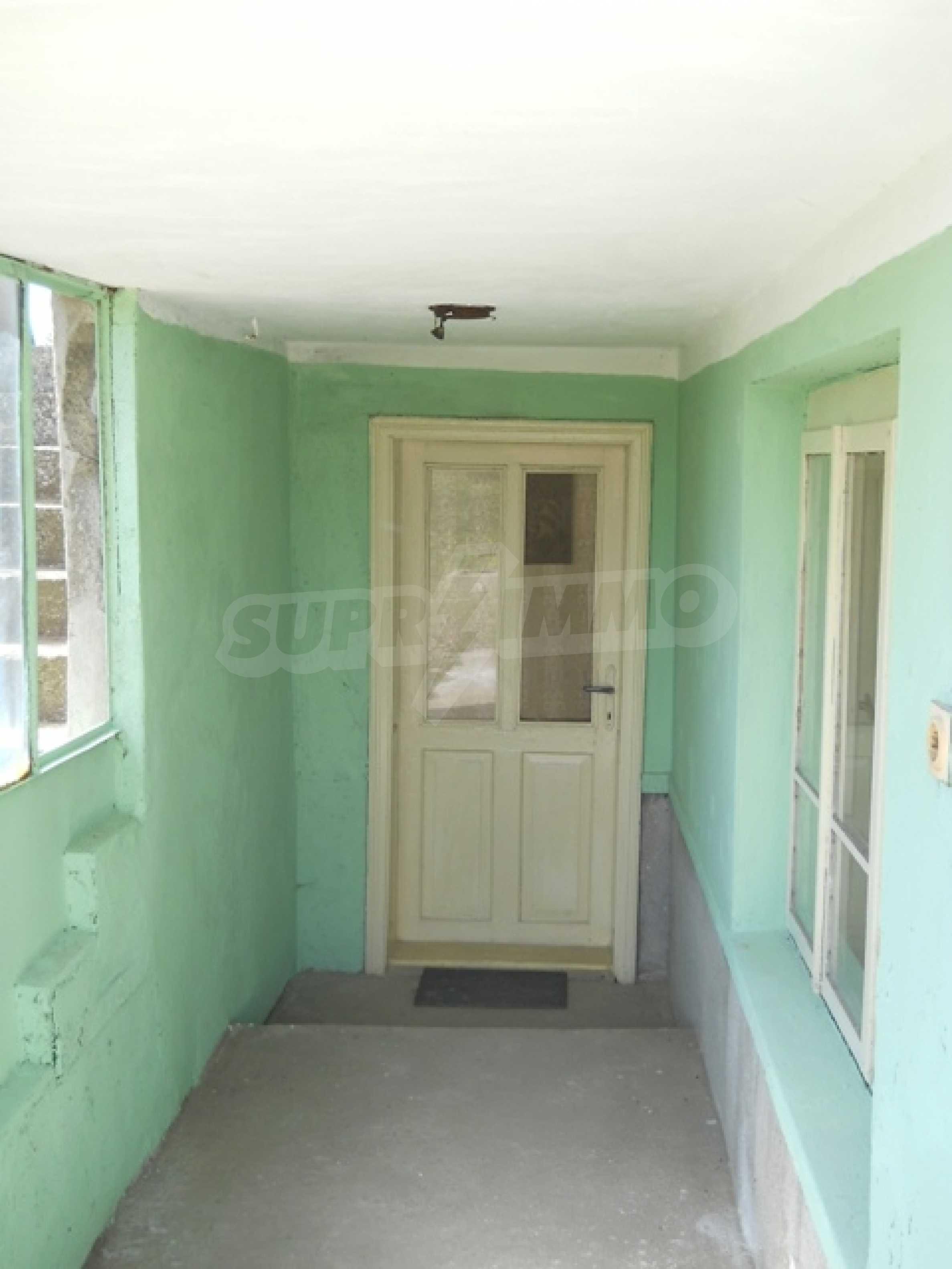 Къща продава близо до Варна 13