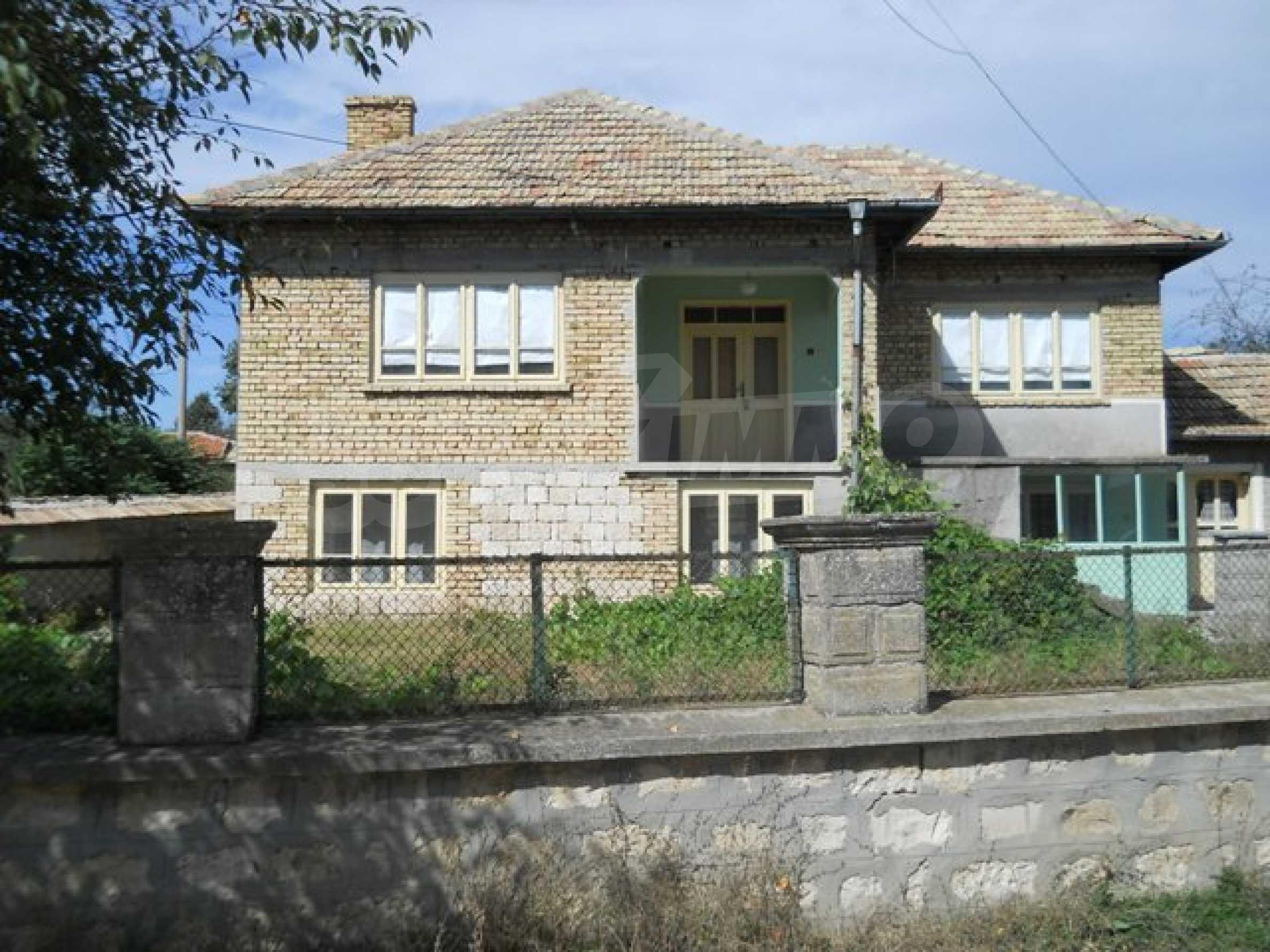 Къща продава близо до Варна 1