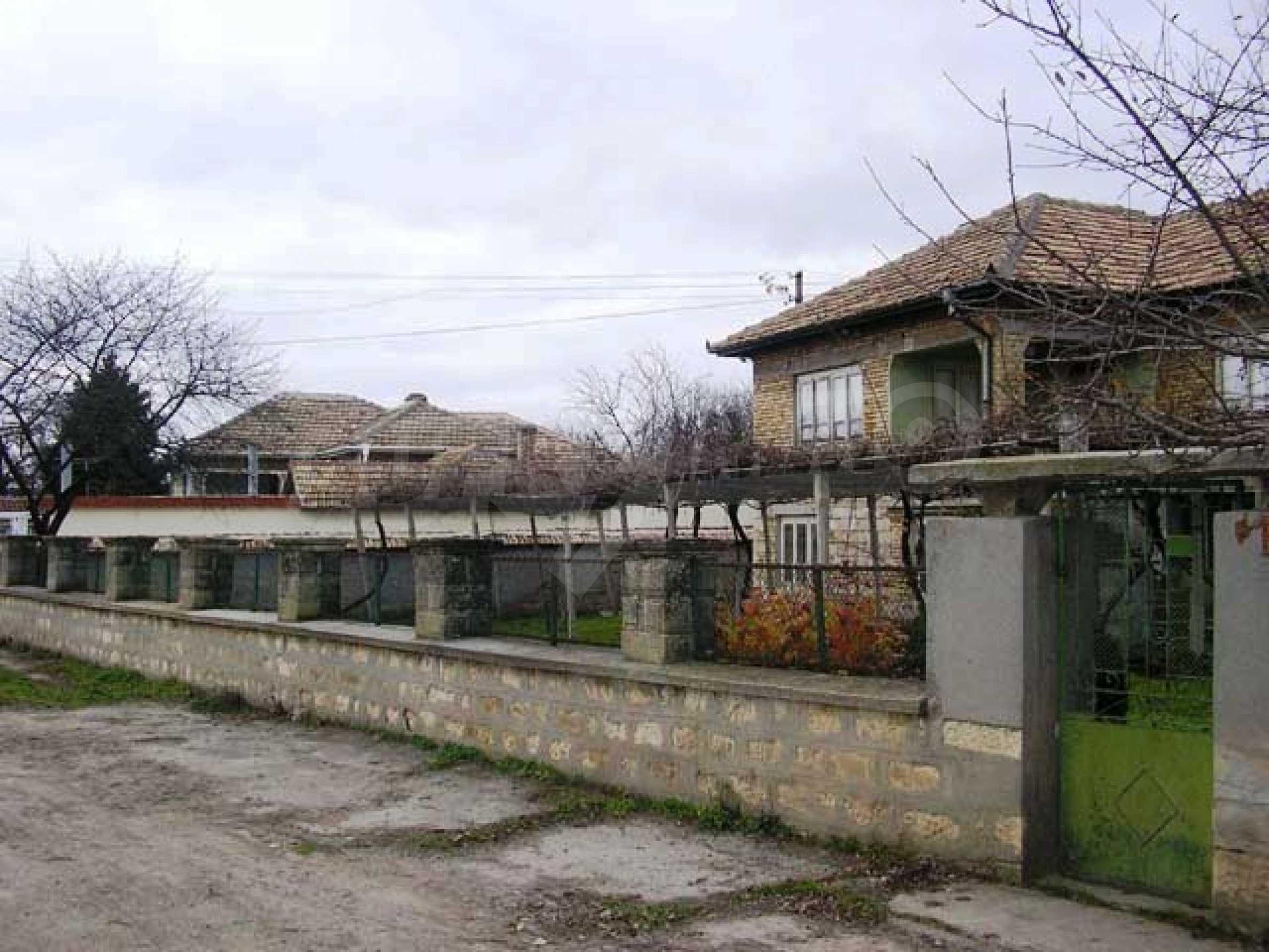 Къща продава близо до Варна 5