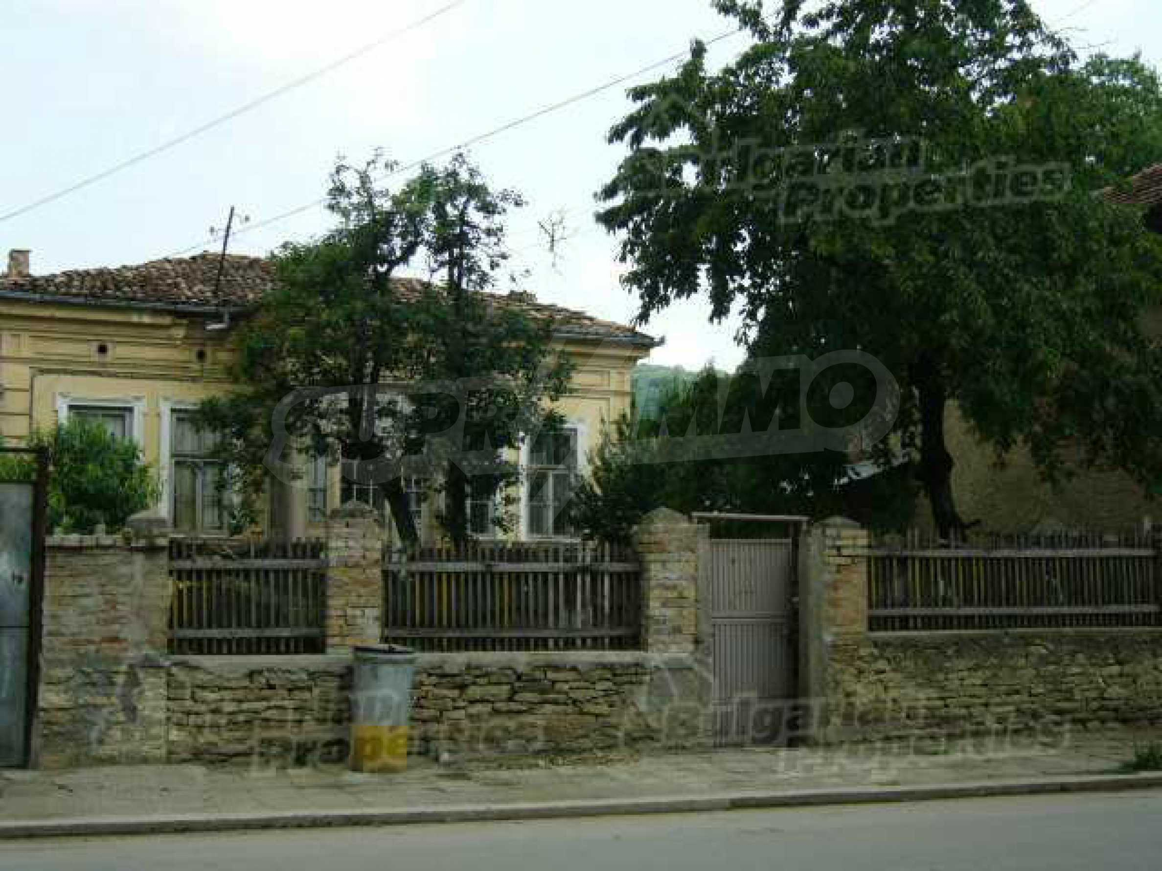 One-storey house located in a small town  3