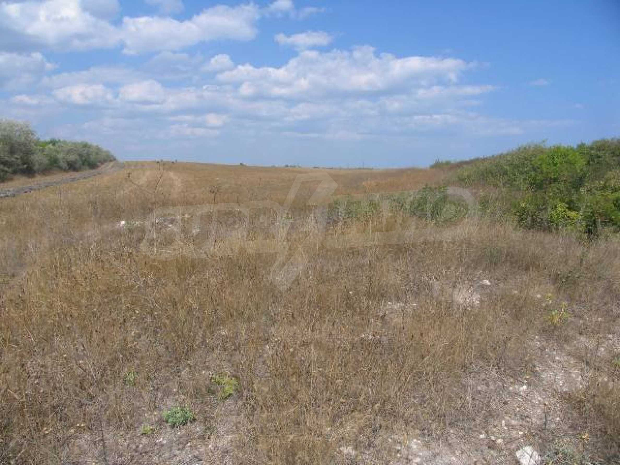 Two agricultural plots of land near Kavarna 2