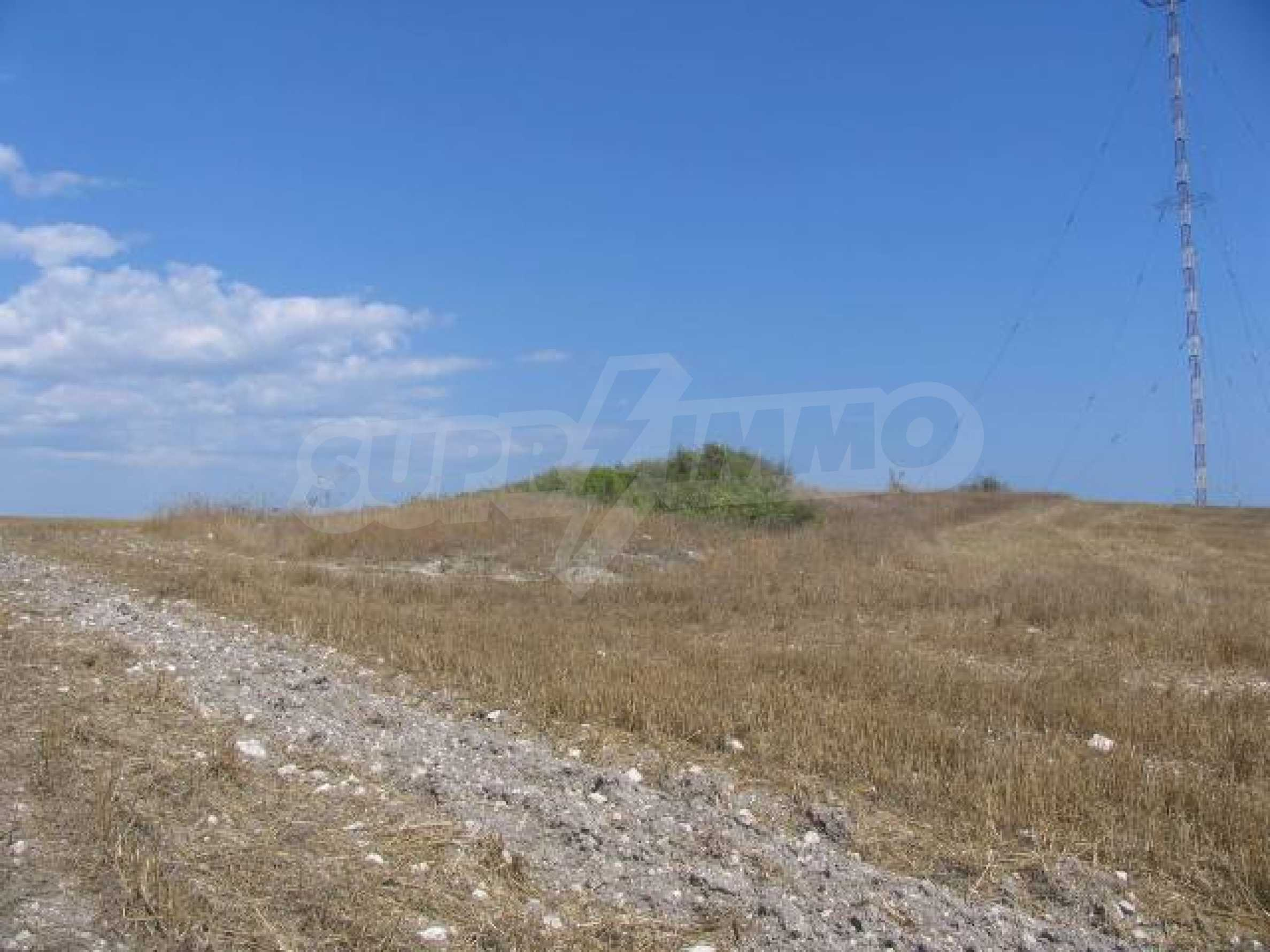 Two agricultural plots of land near Kavarna 3