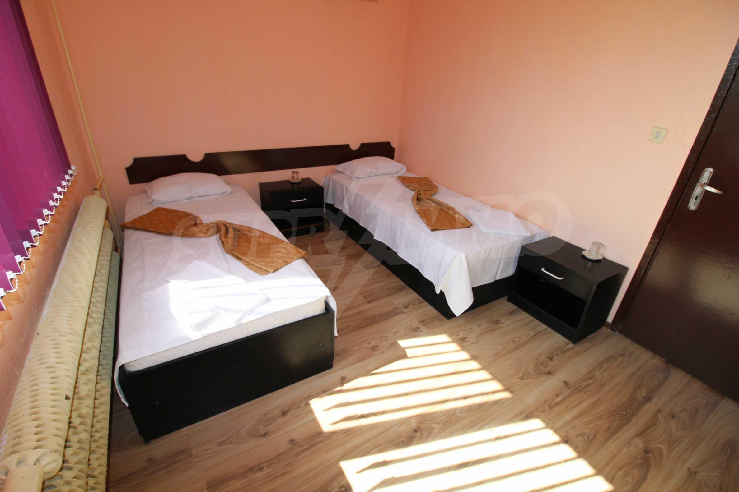 Хотел в град Дебелец 23