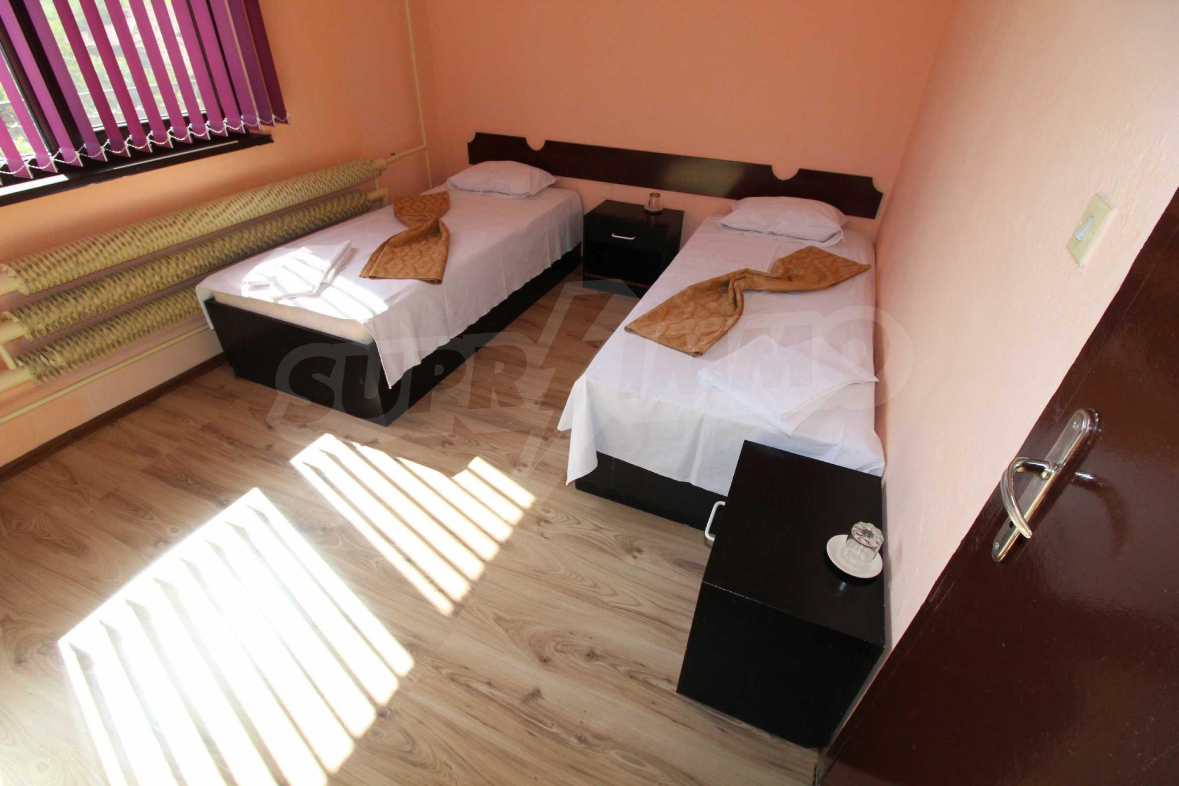 Хотел в град Дебелец 24