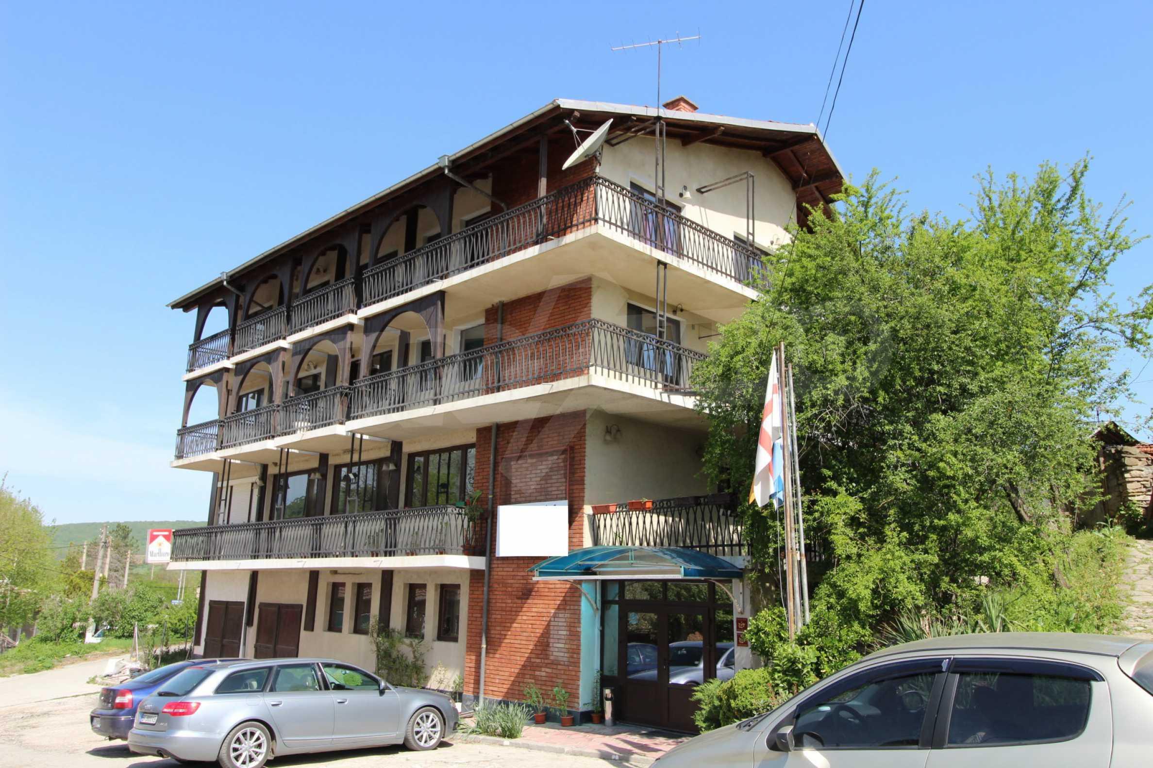 Хотел в град Дебелец 5