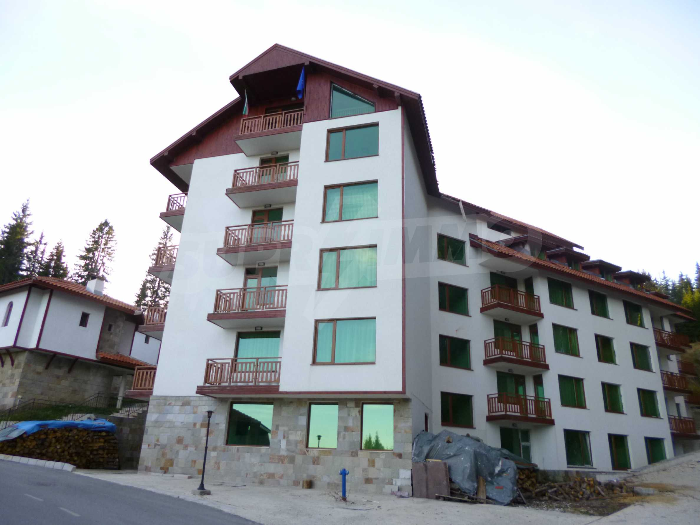 Excellent mansard studio for sale in the complex Forest Glade in Pamporovo 1