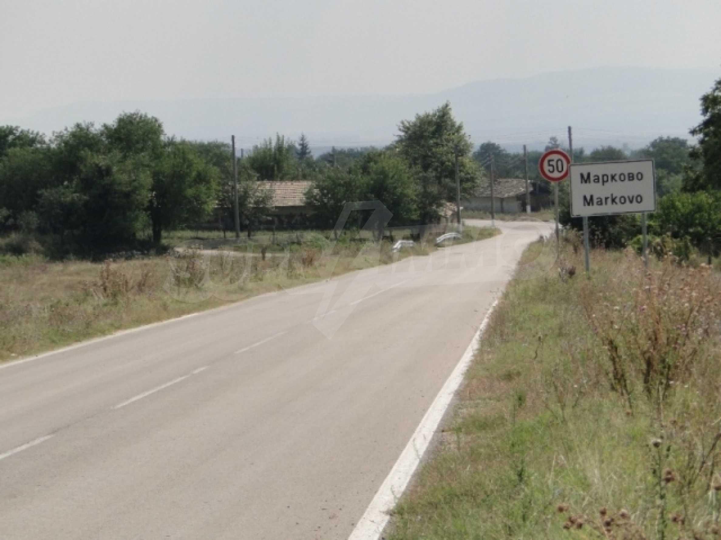 Hof im Dorf Markovo 3