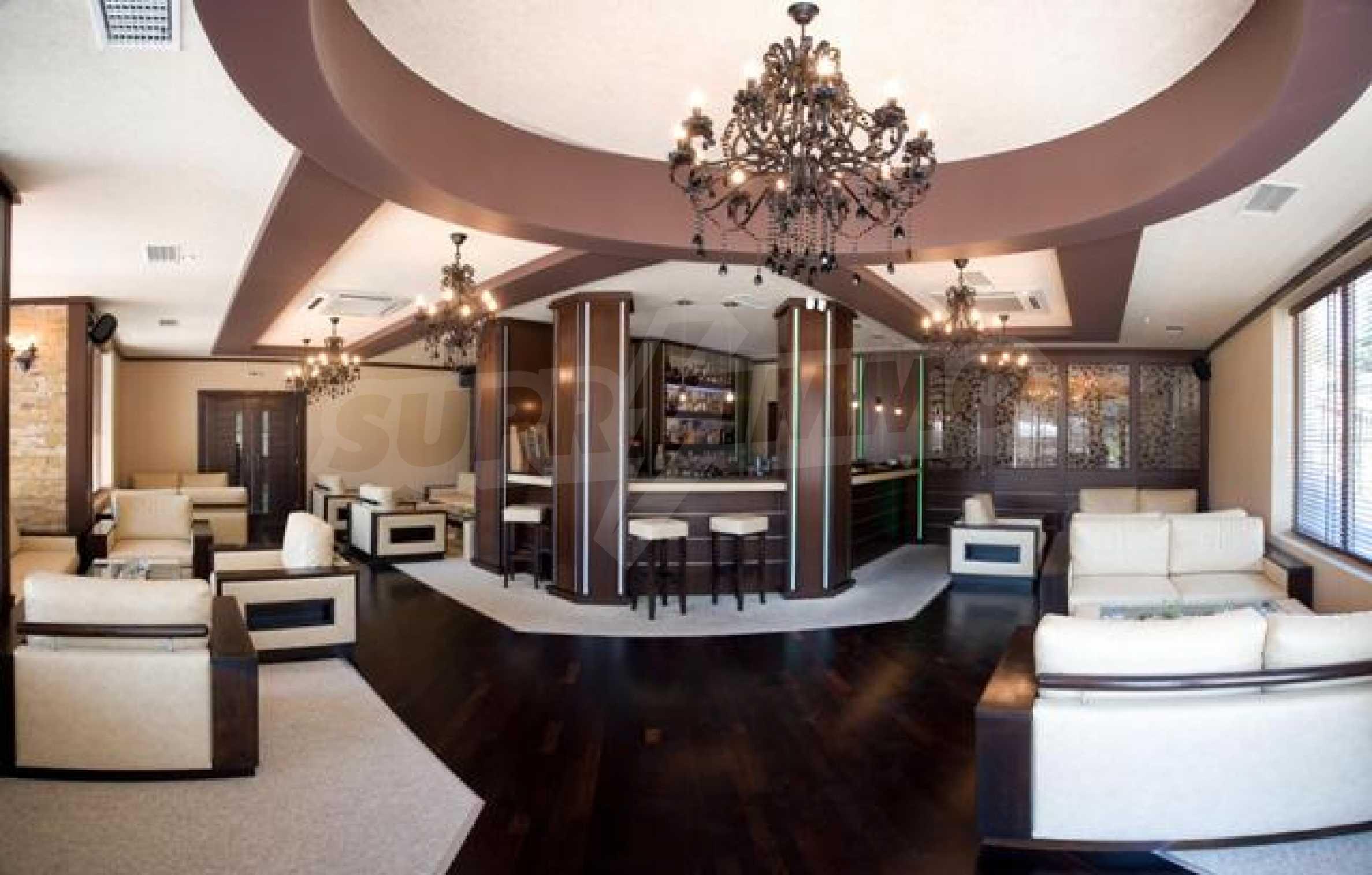Ресторант и бар в Морска градина 1