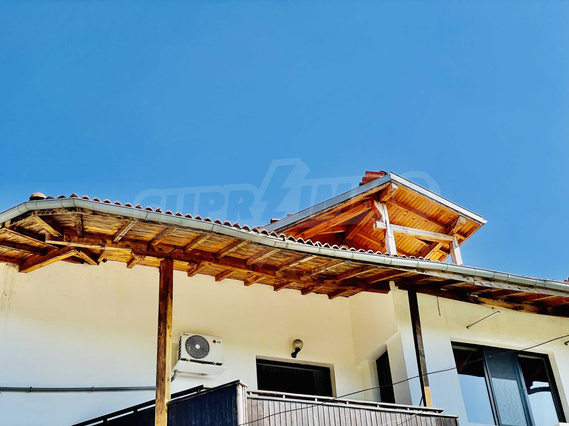 Ein-Zimmer-Wohnung mit Parkplatz und Lagerung in Arbanassi Architekturreservat