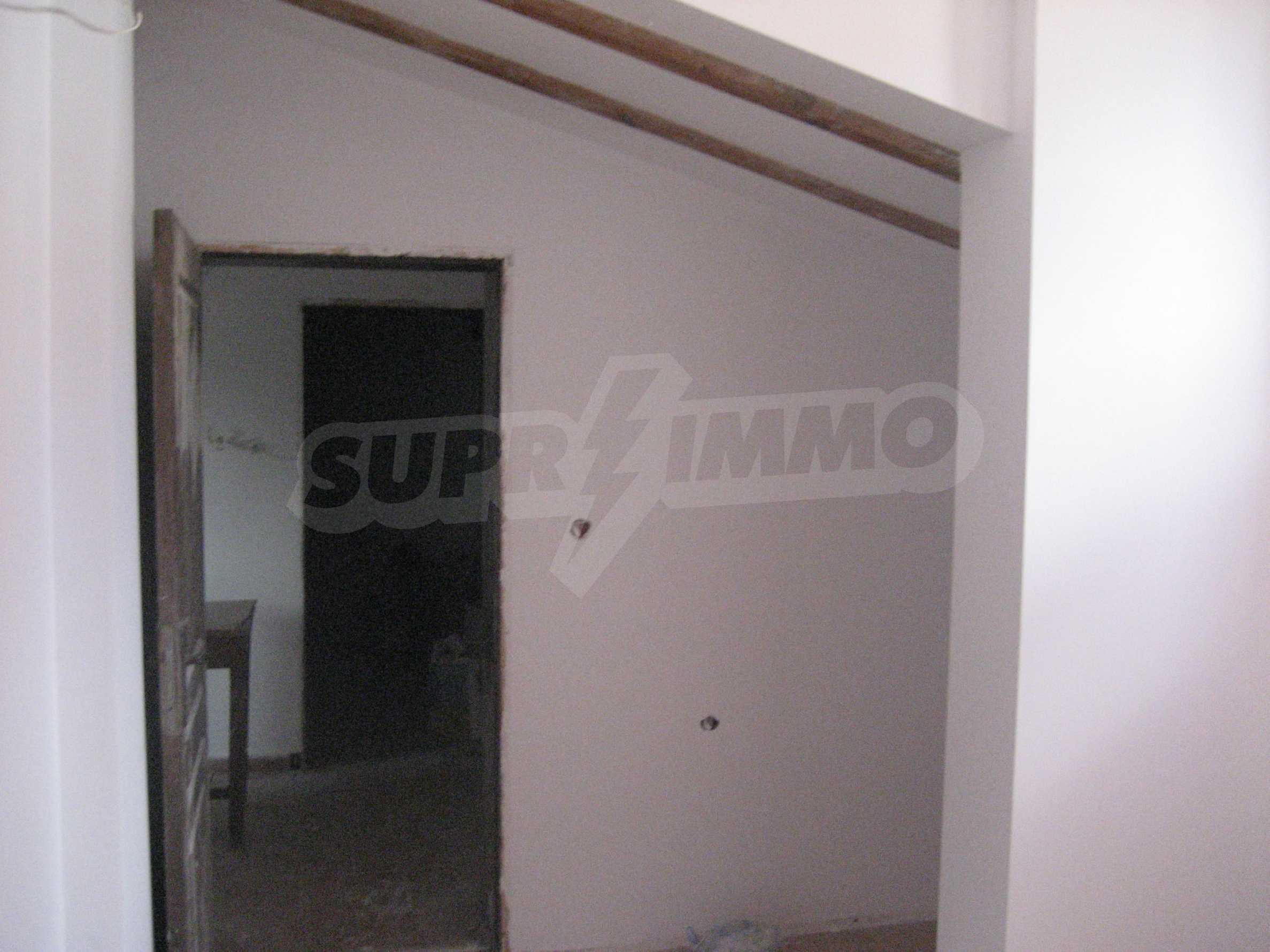 Ein-Zimmer-Wohnung mit Parkplatz und Lagerung in Arbanassi Architekturreservat 21