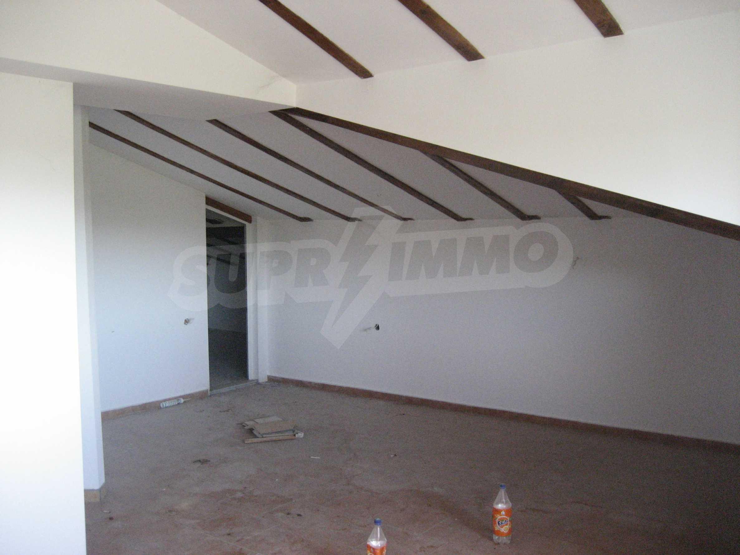 Ein-Zimmer-Wohnung mit Parkplatz und Lagerung in Arbanassi Architekturreservat 24