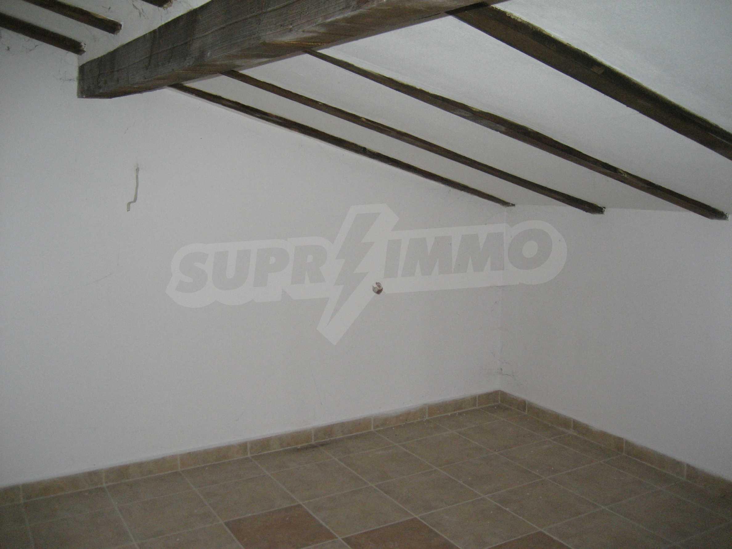Ein-Zimmer-Wohnung mit Parkplatz und Lagerung in Arbanassi Architekturreservat 25