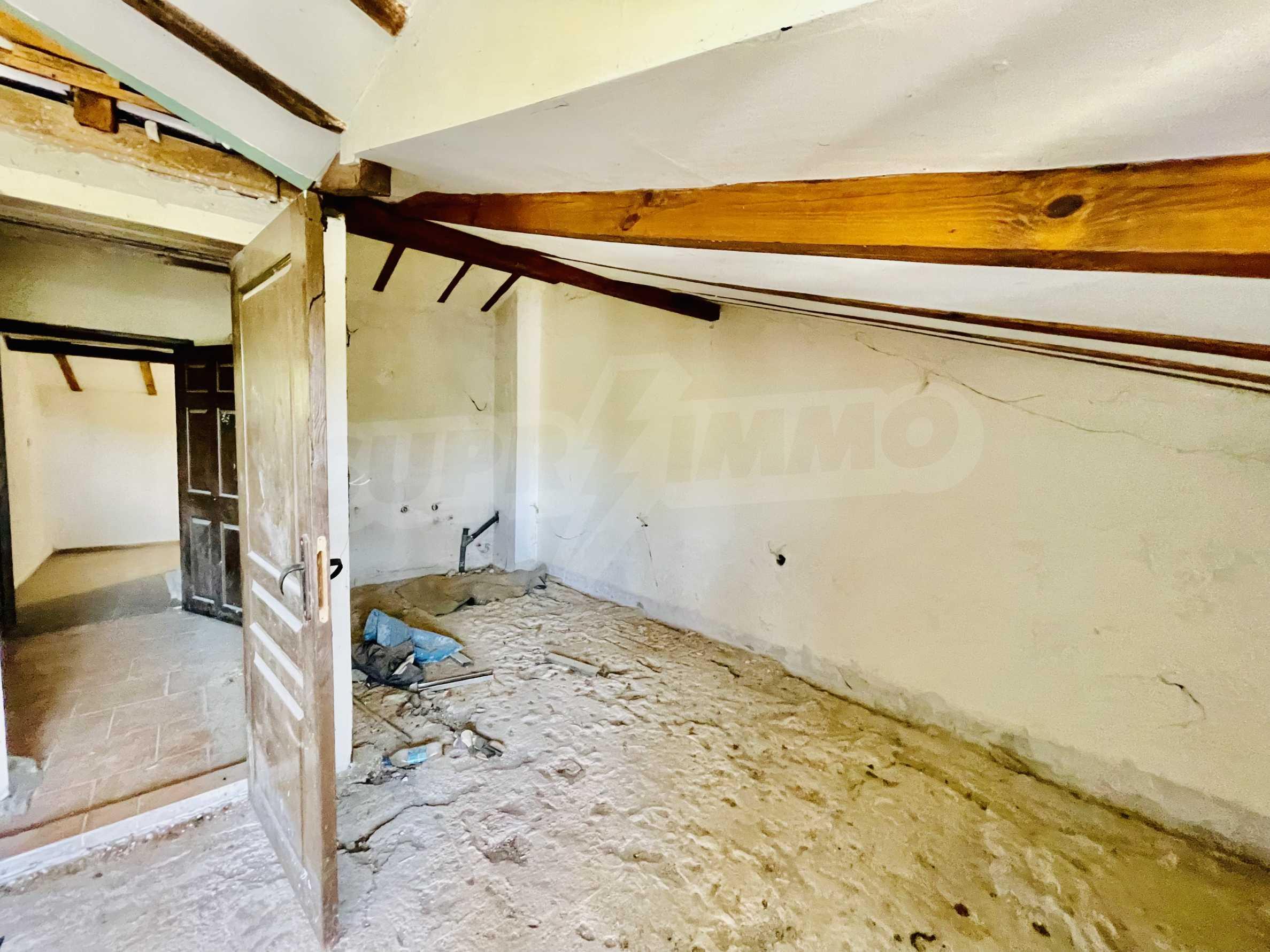 Ein-Zimmer-Wohnung mit Parkplatz und Lagerung in Arbanassi Architekturreservat 3