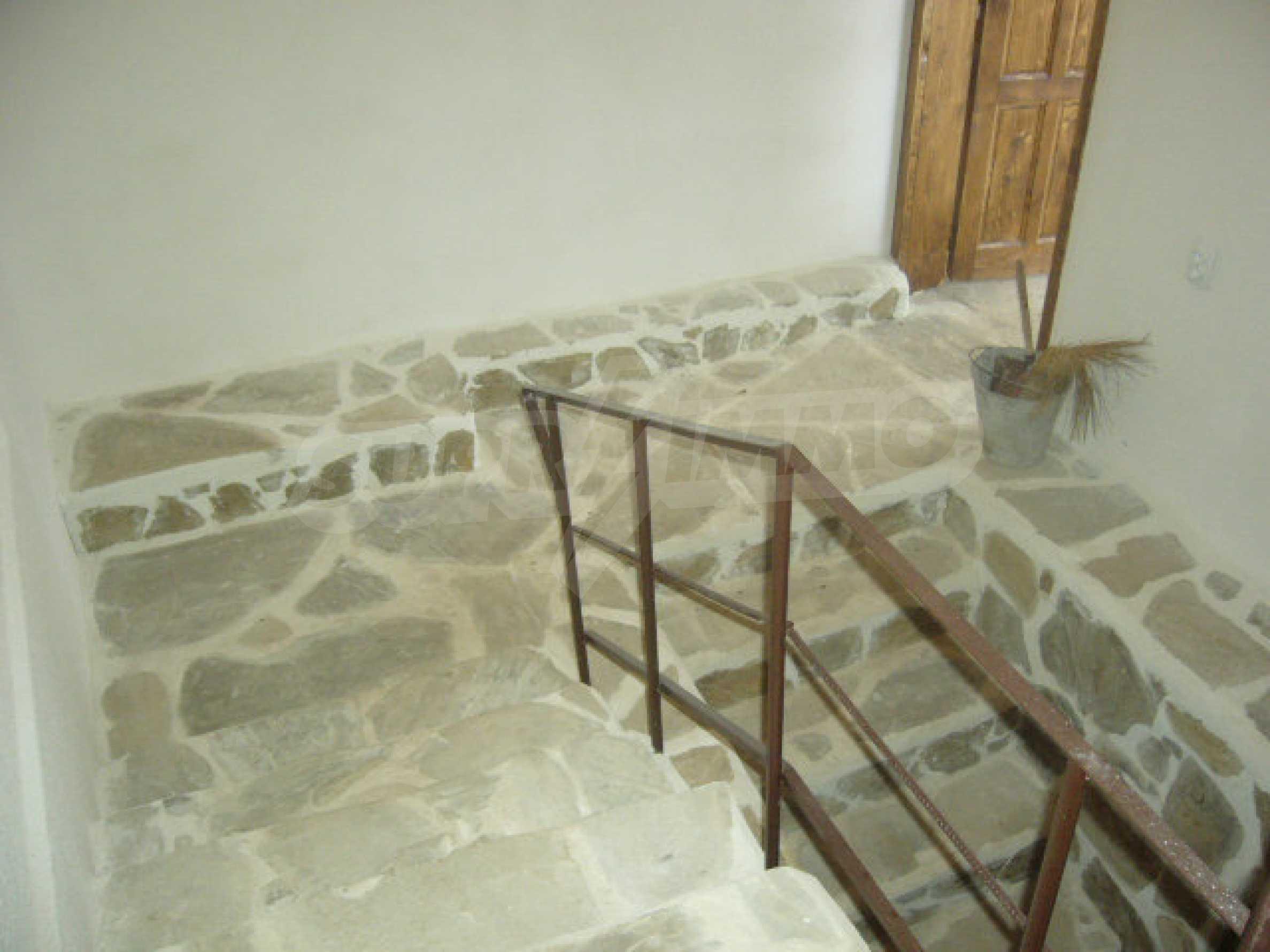 Renoviertes zweistöckiges Haus auf dem Balkan, 30 km von Veliko Tarnovo entfernt 4