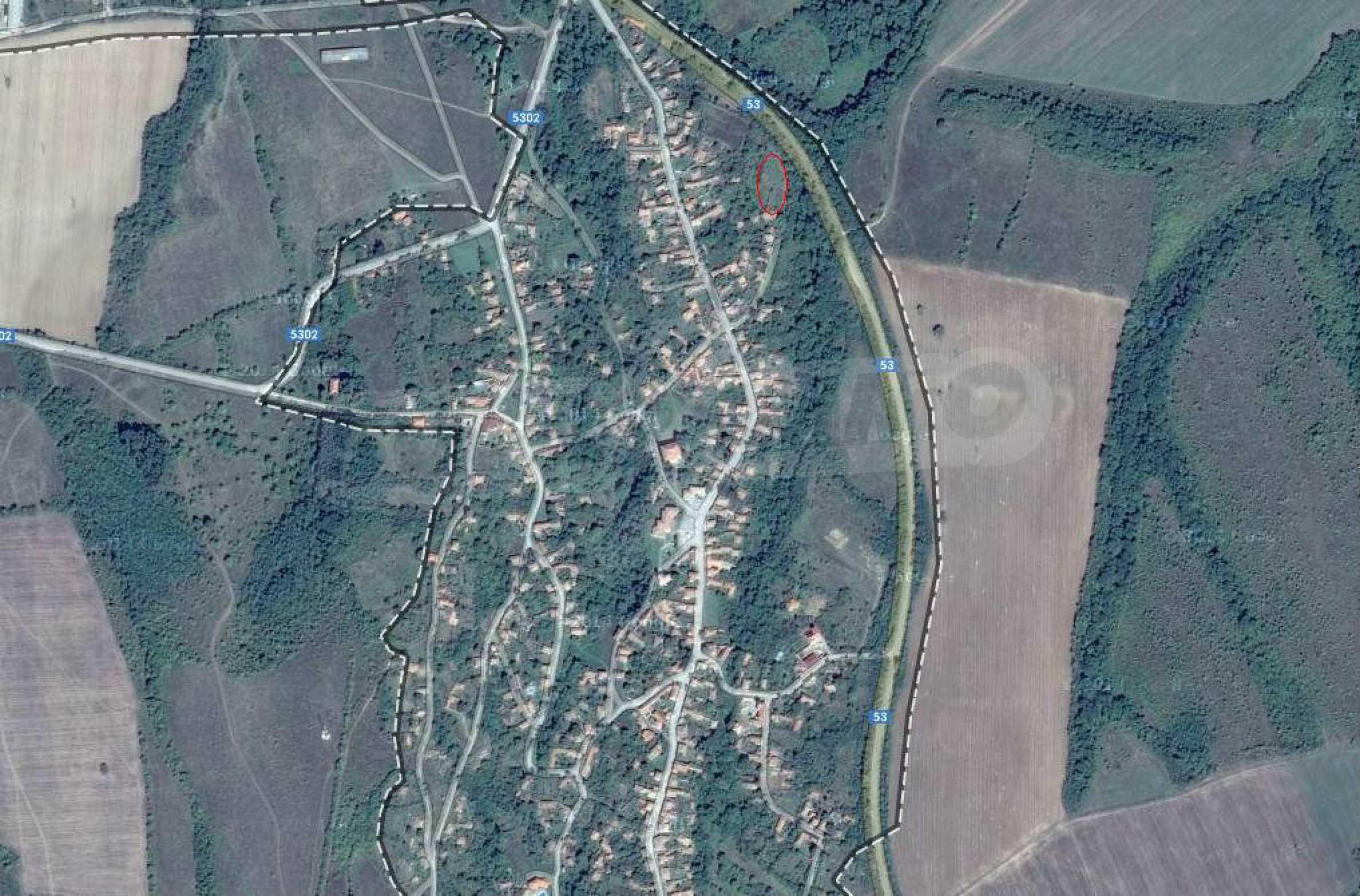 Geregeltes Baugrundstück 21 km von Veliko Tarnovo entfernt 2