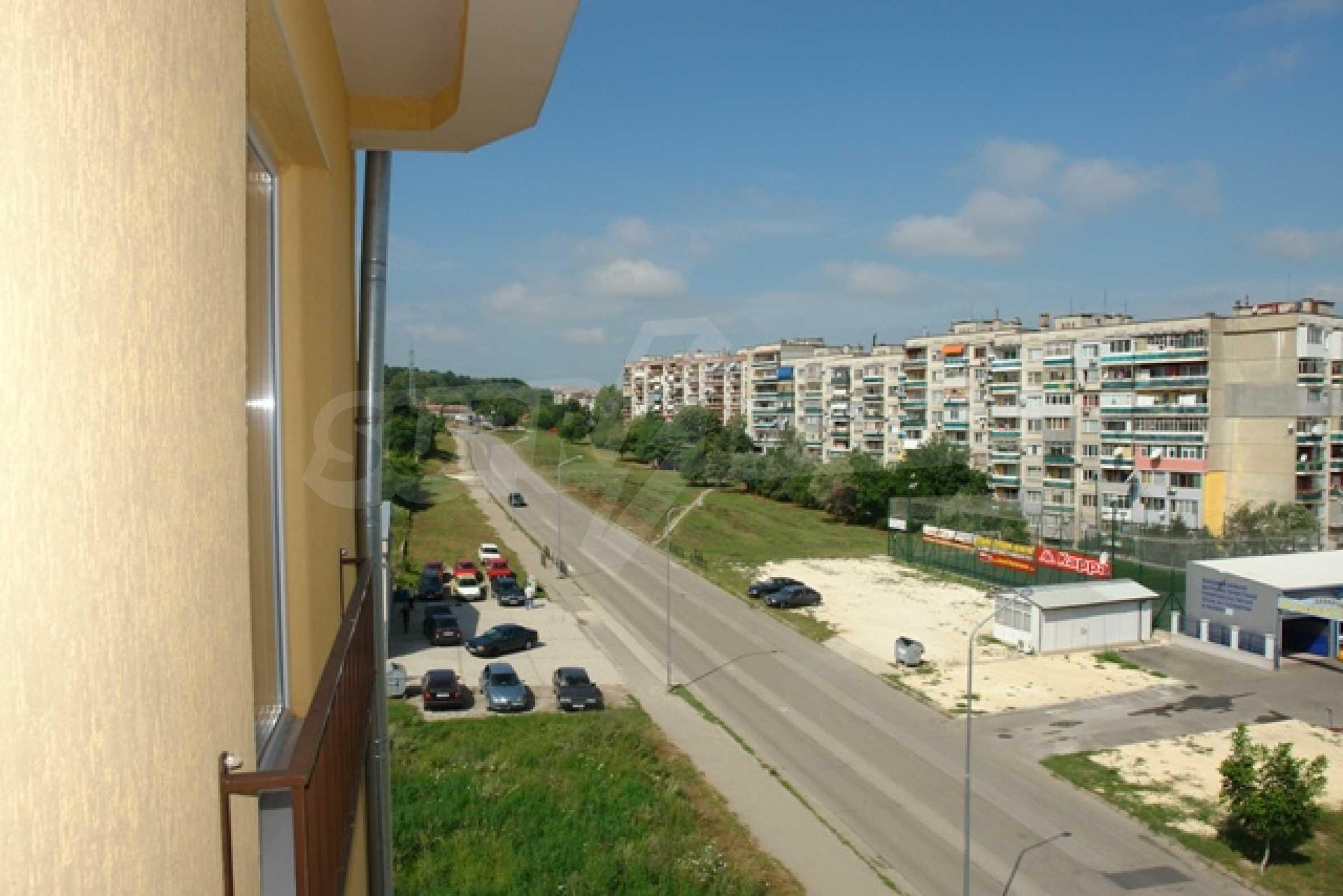 Тристаен апартамент в Русе с невероятна панорама към града 11