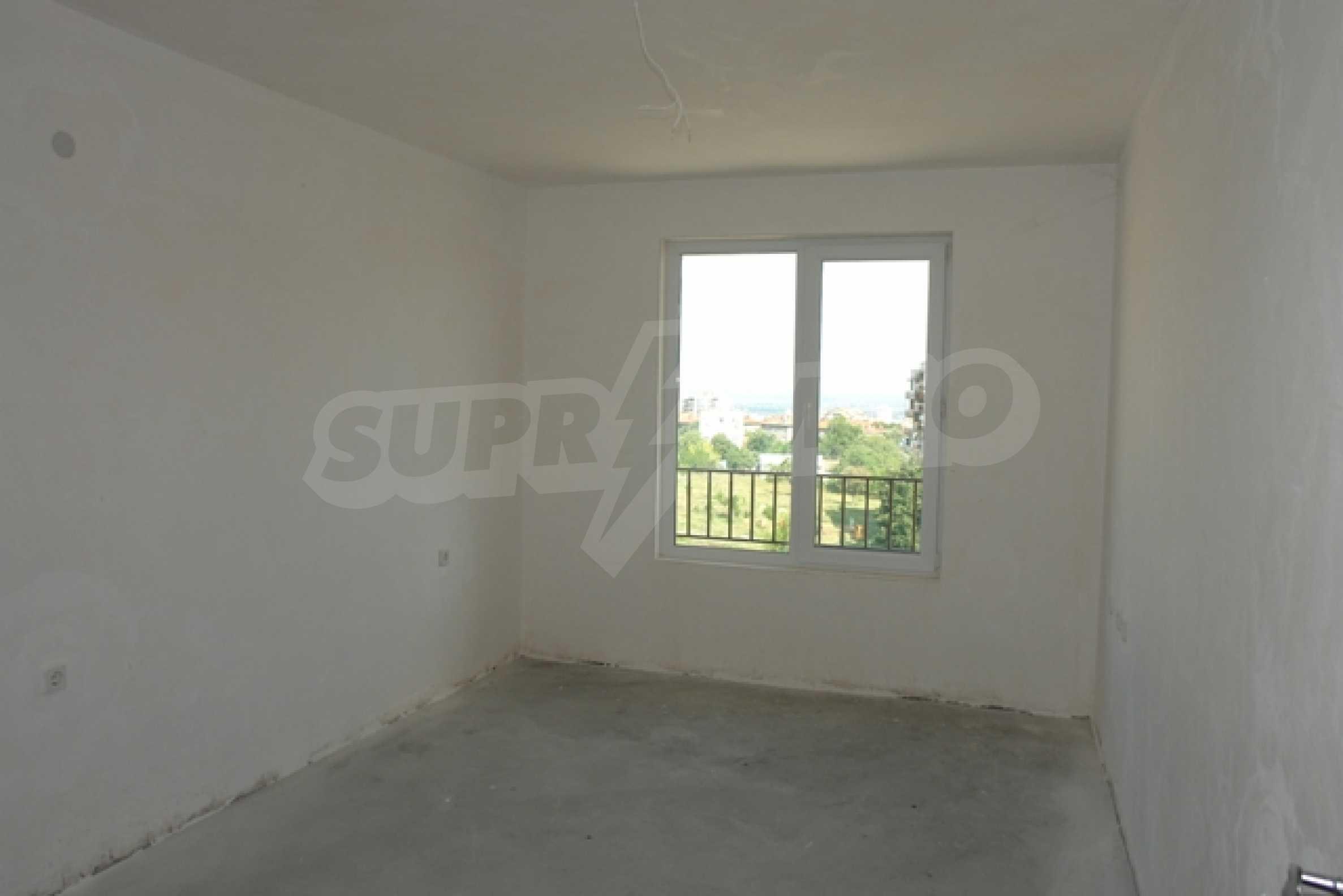 Тристаен апартамент в Русе с невероятна панорама към града 6