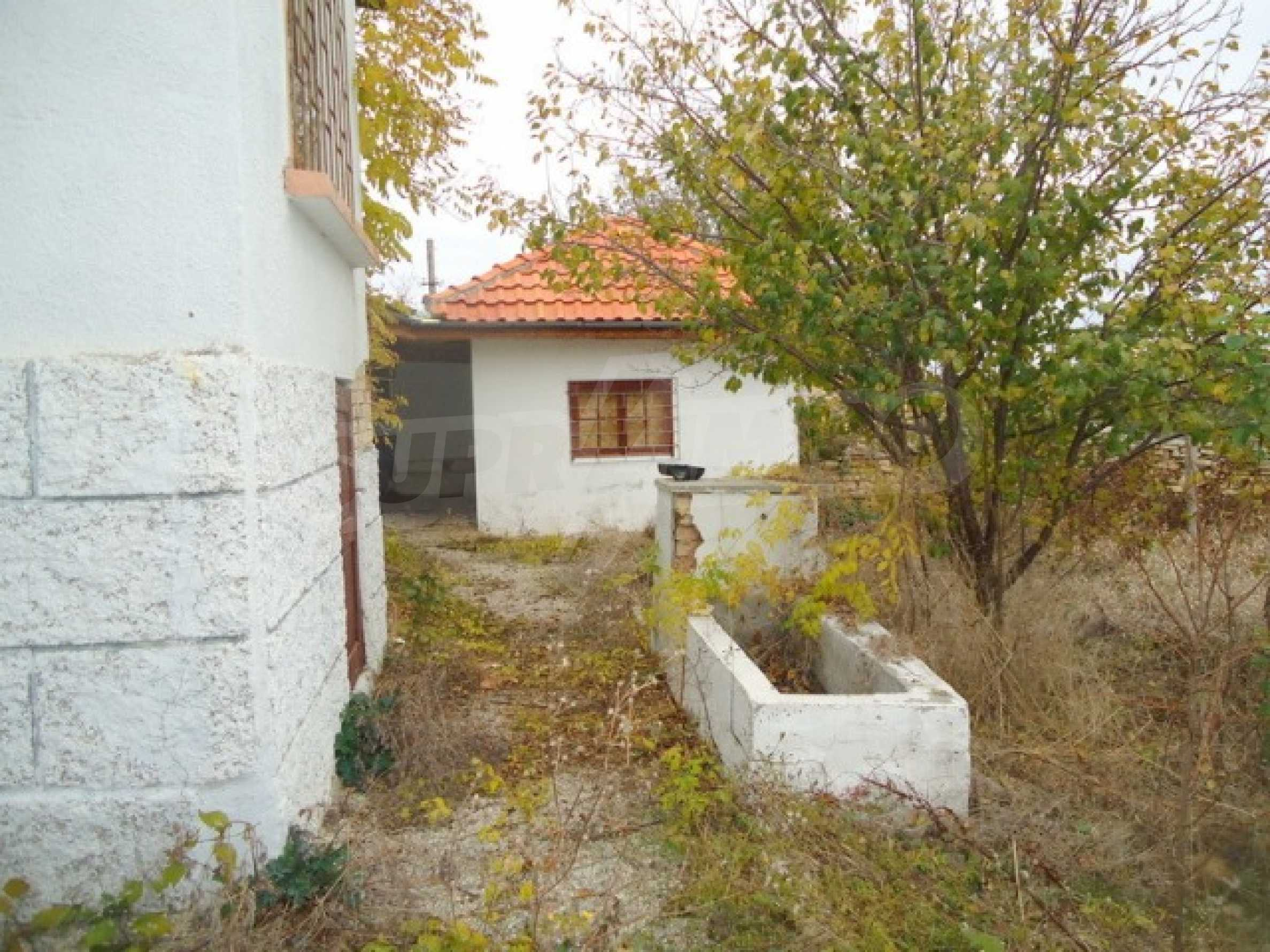 Two-storey house 24 km from the city of Shumen 13
