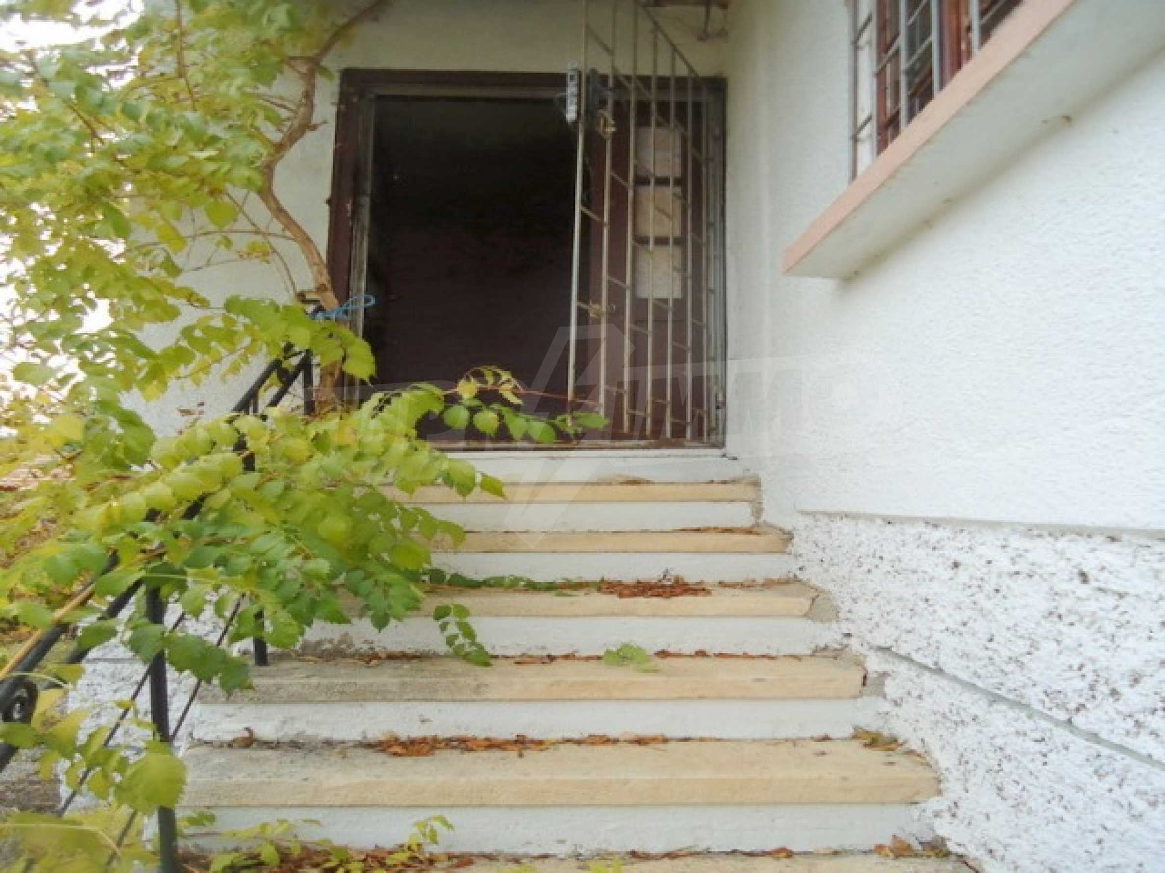 Two-storey house 24 km from the city of Shumen 8