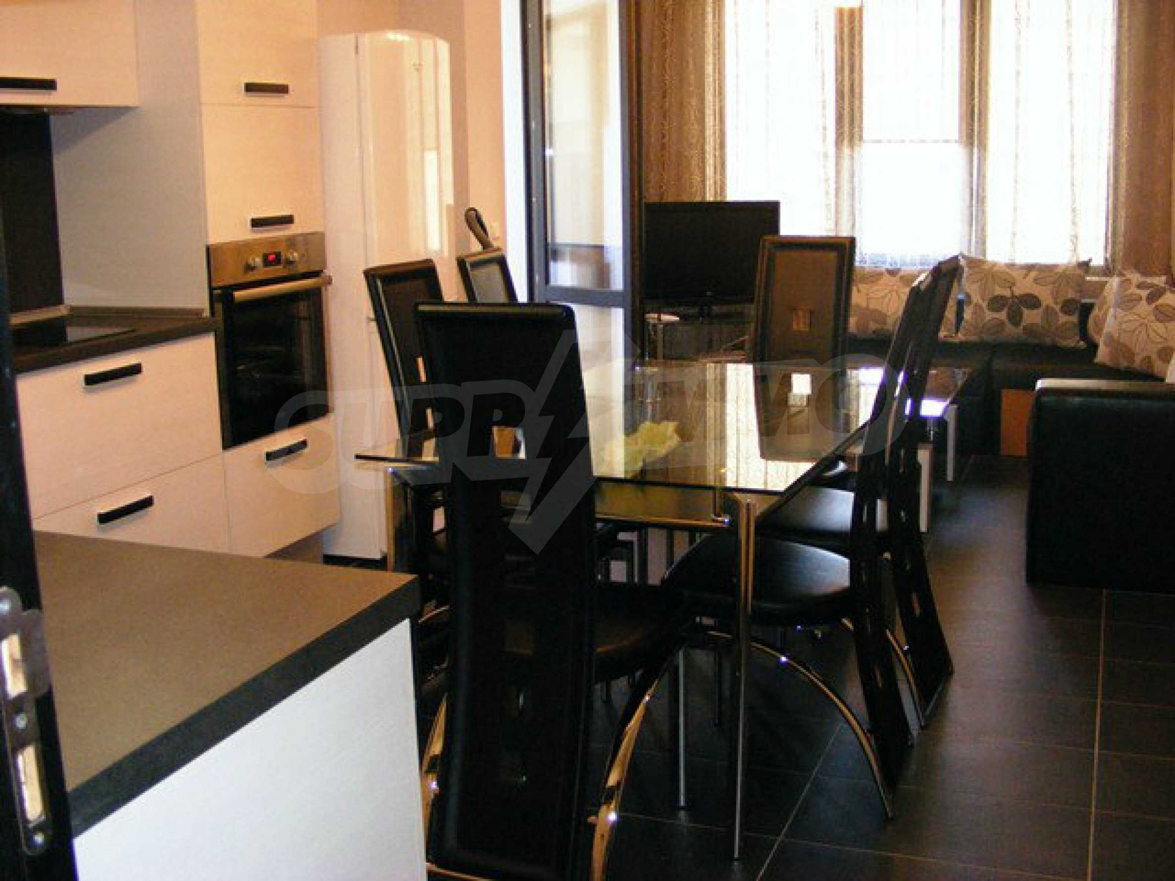 Apartment ''Black and Beige'' 1